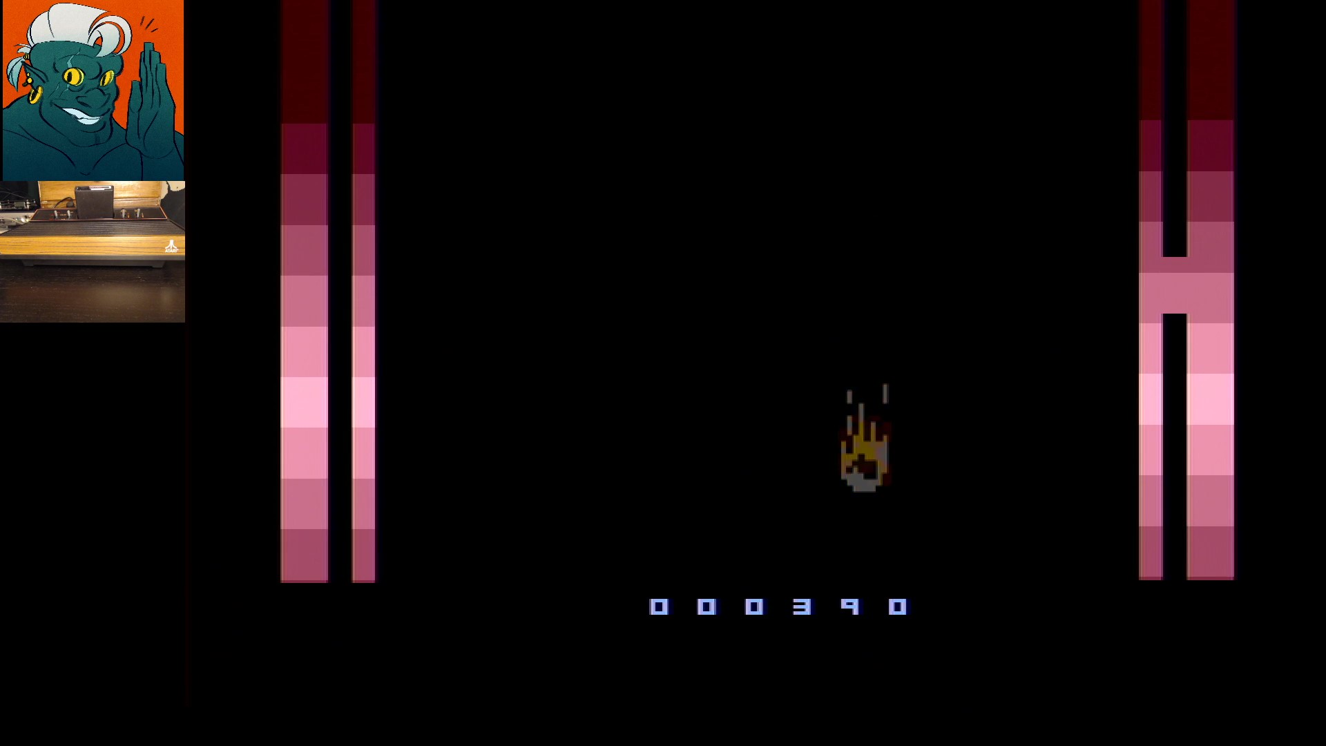AwesomeOgre: A Roach In Space (Atari 2600) 390 points on 2019-11-25 07:31:29