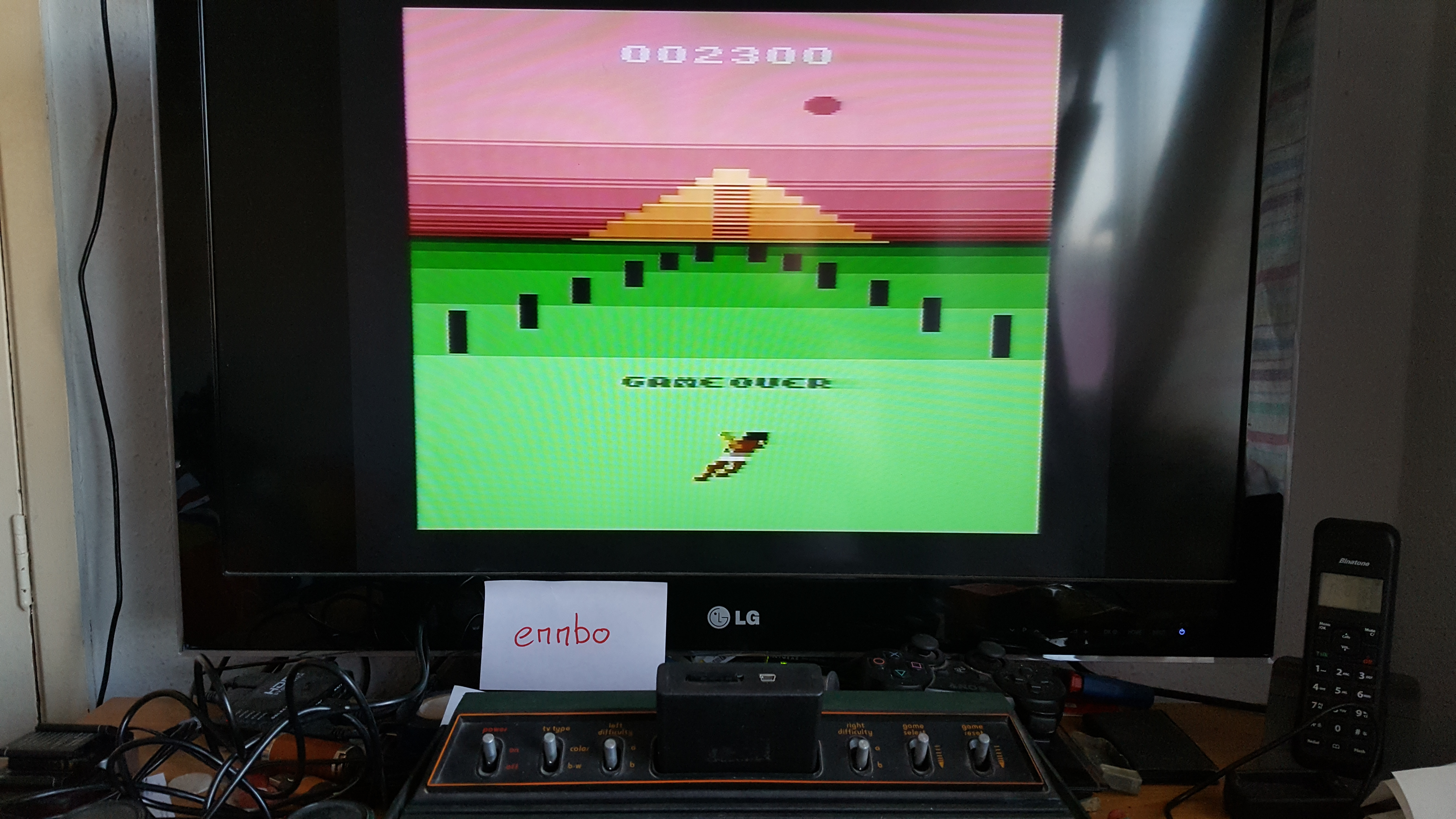 emmbo: A-VCS-tec Challenge (Atari 2600 Novice/B) 2,300 points on 2016-04-20 12:20:38