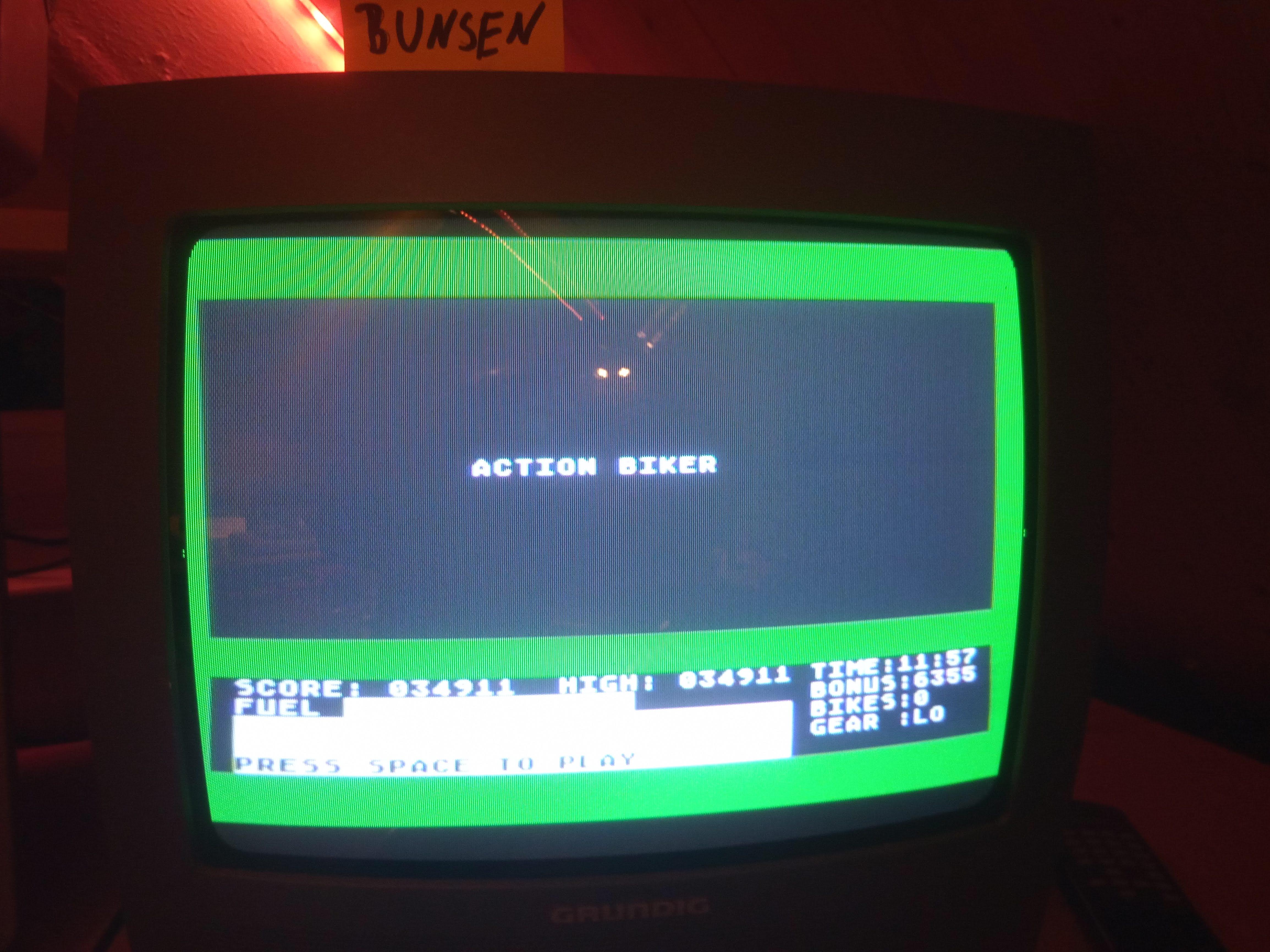 Bunsen: Action Biker (Atari 400/800/XL/XE) 34,911 points on 2020-04-18 15:55:17