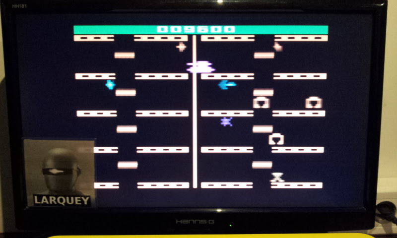 Larquey: Adventures of Tron (Atari 2600 Emulated Novice/B Mode) 9,600 points on 2017-06-05 01:43:49