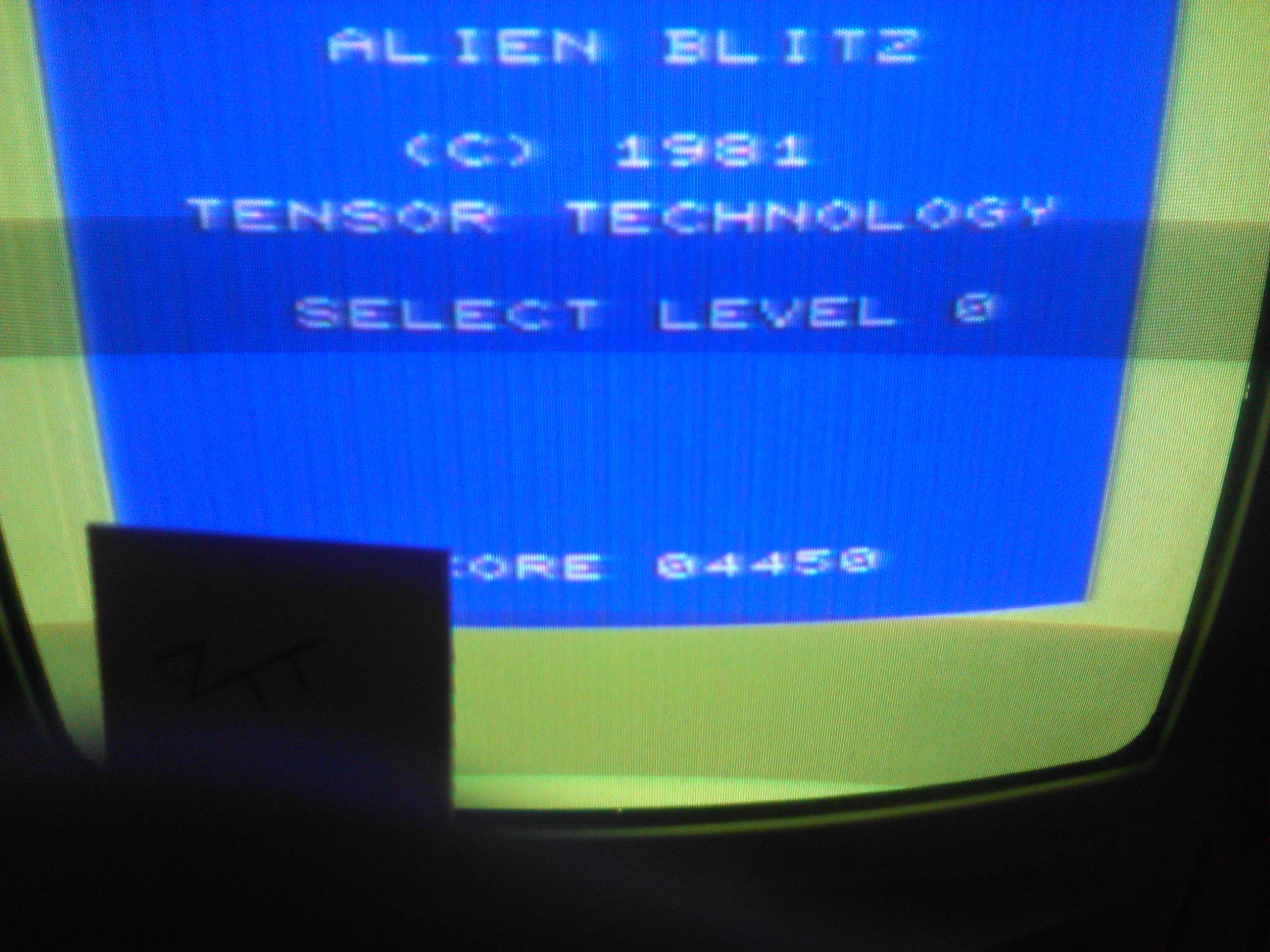 Frankie: Alien Blitz (Commodore VIC-20) 4,450 points on 2016-12-06 03:49:24