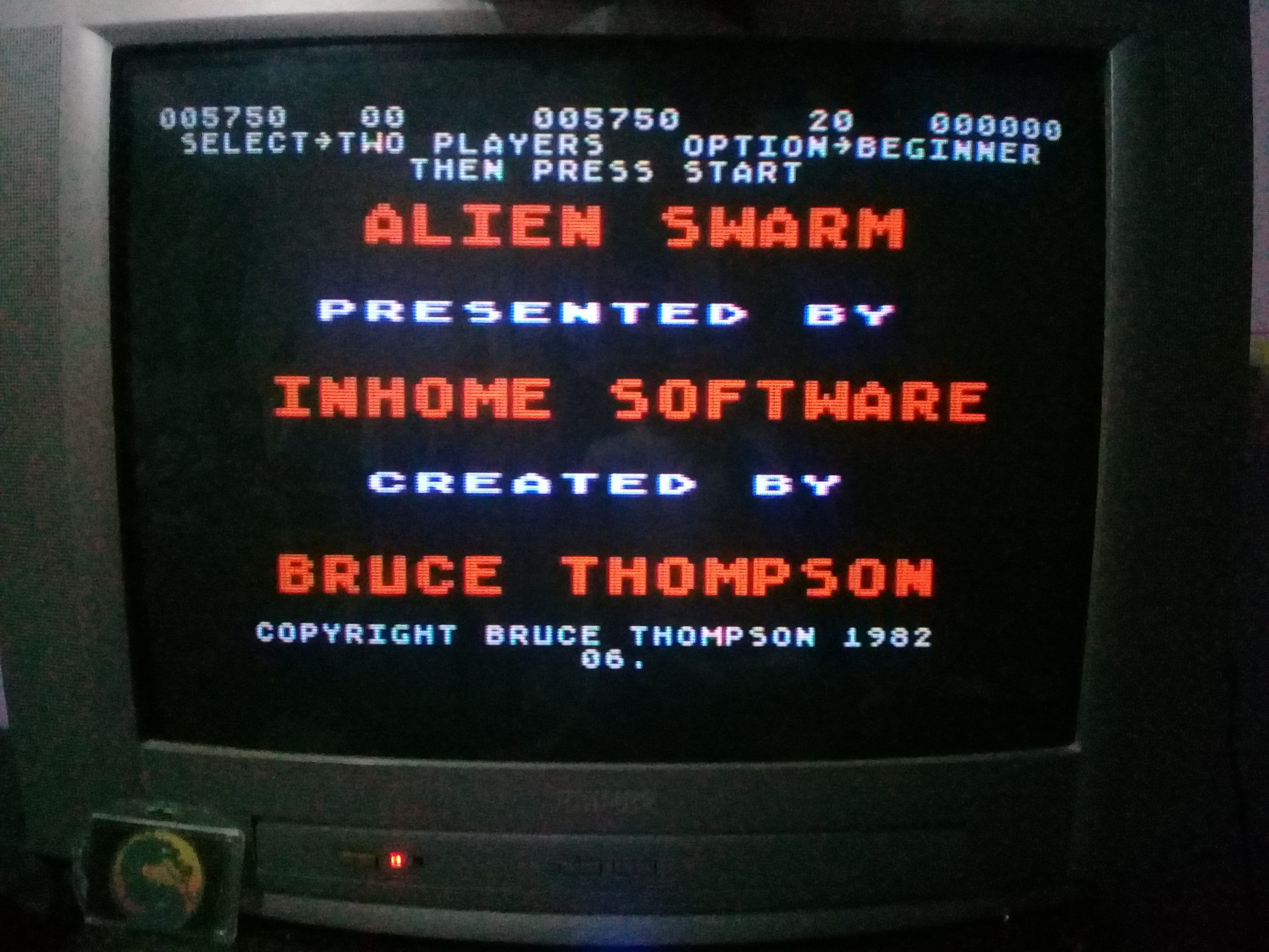 omargeddon: Alien Swarm - Version 6 [Beginner] (Atari 400/800/XL/XE) 5,750 points on 2020-03-12 19:46:05