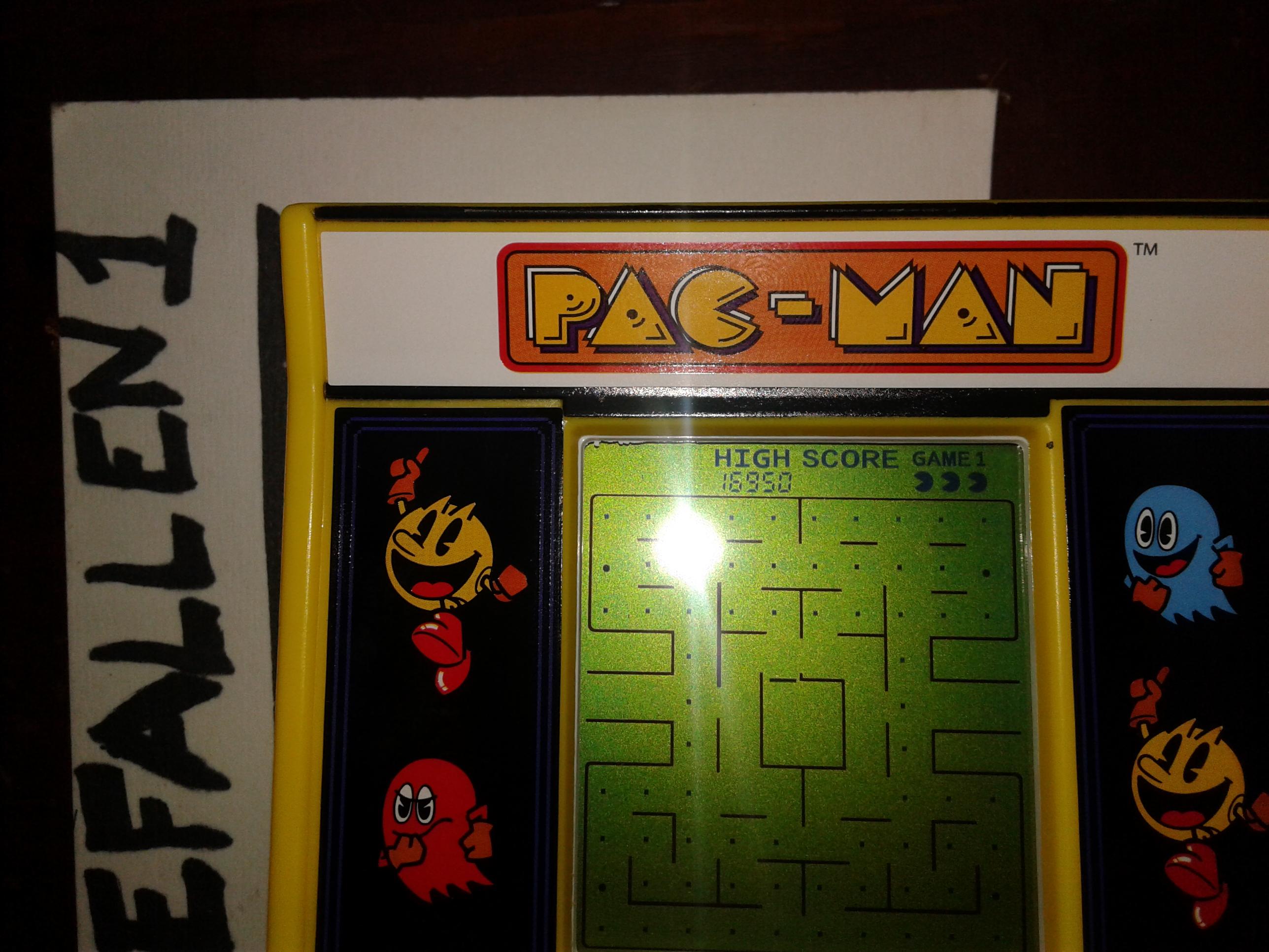 iamthefallen1: Arcade Classics 01: Pac-Man (Dedicated Handheld) 16,950 points on 2017-12-04 09:10:00