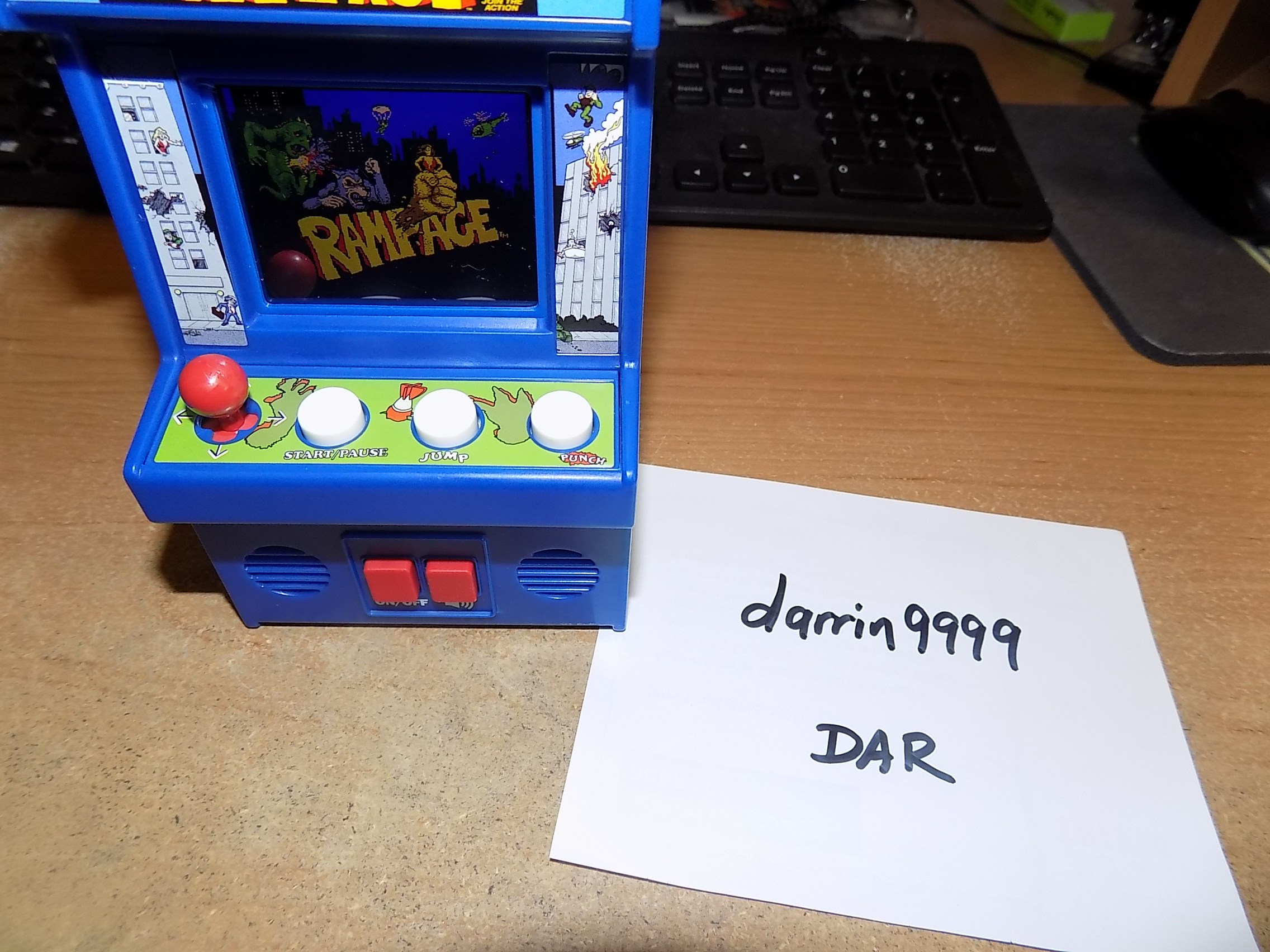 darrin9999: Arcade Classics 10: Rampage (Dedicated Handheld) 51,500 points on 2018-03-21 16:45:07