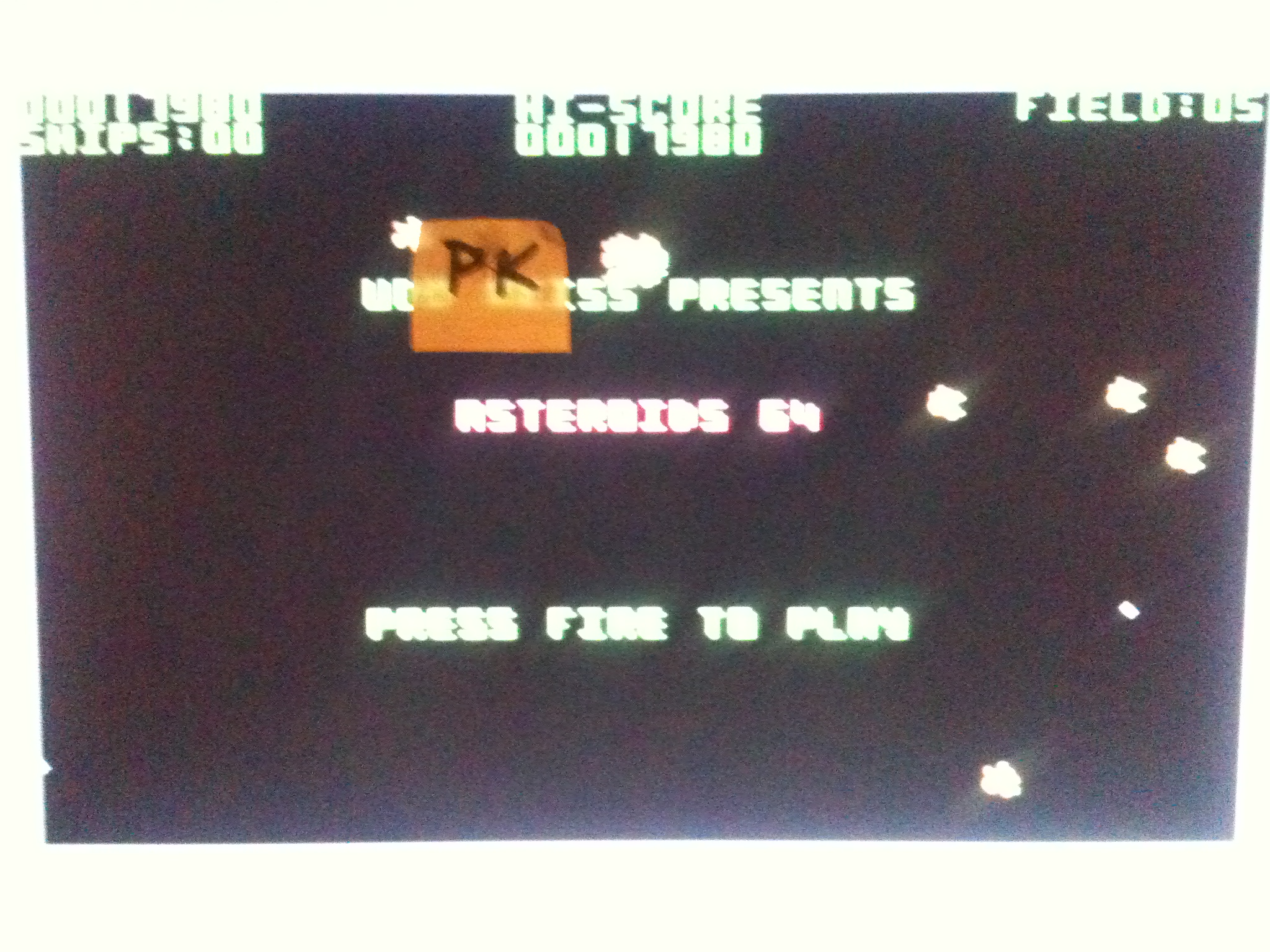 kernzy: Asteroids 64 (Commodore 64) 17,980 points on 2015-12-13 17:39:37