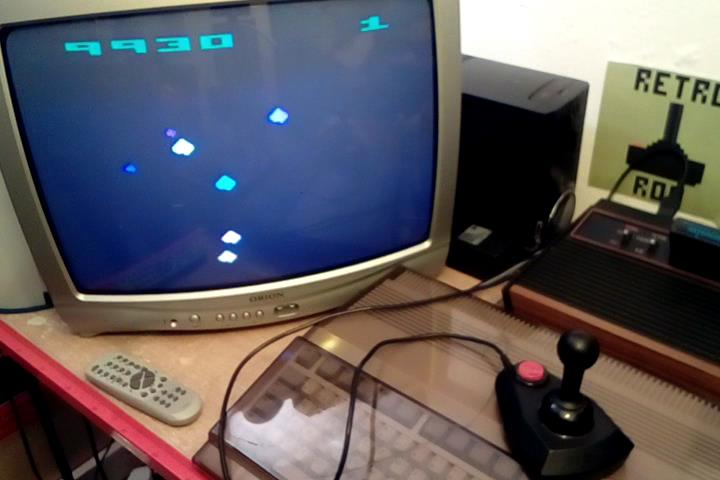 RetroRob: Asteroids: Game 32 (Atari 2600 Novice/B) 9,930 points on 2020-03-27 12:57:52