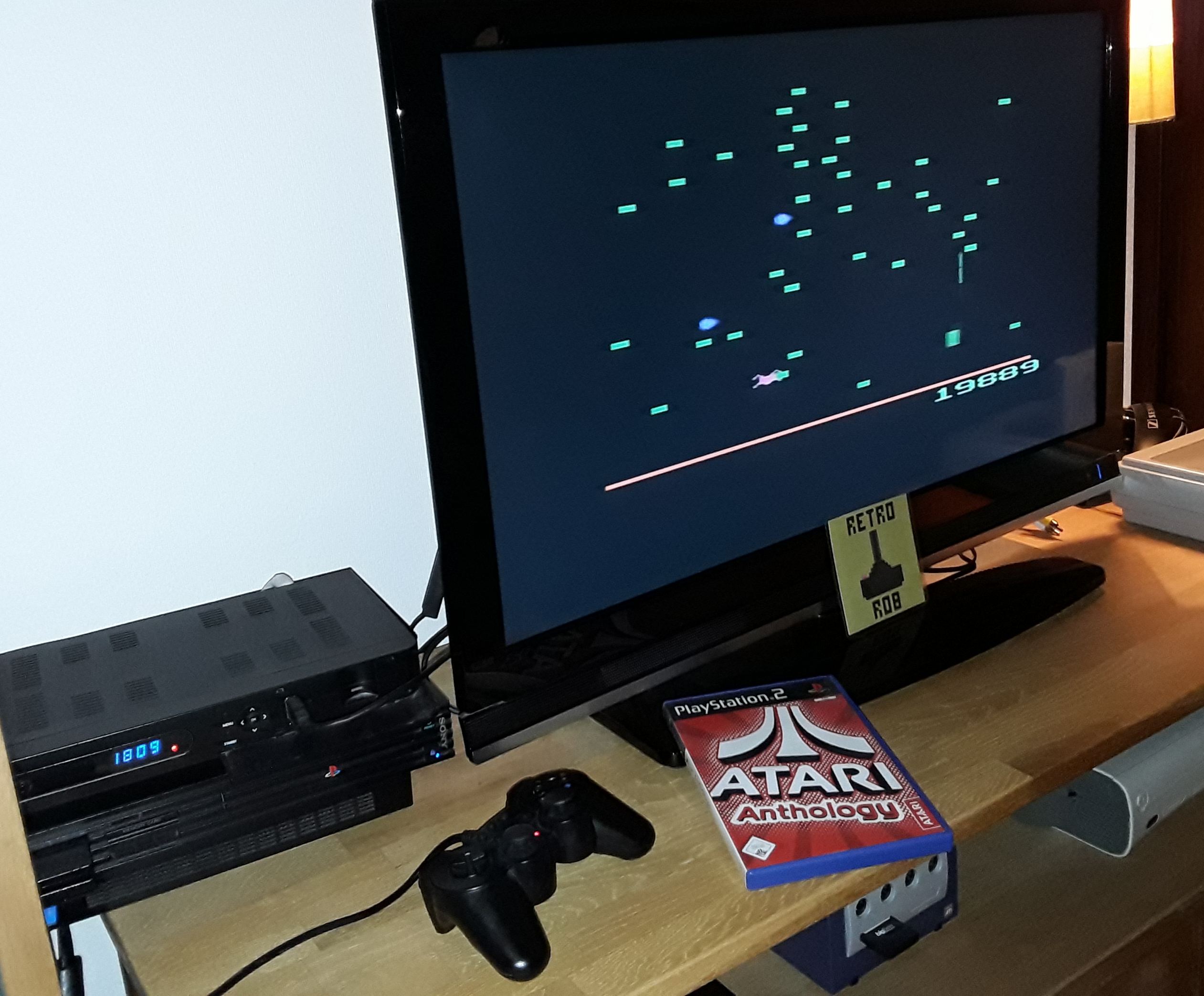 RetroRob: Atari Anthology: Centipede - Home Version (Playstation 2) 19,889 points on 2019-01-29 11:12:30