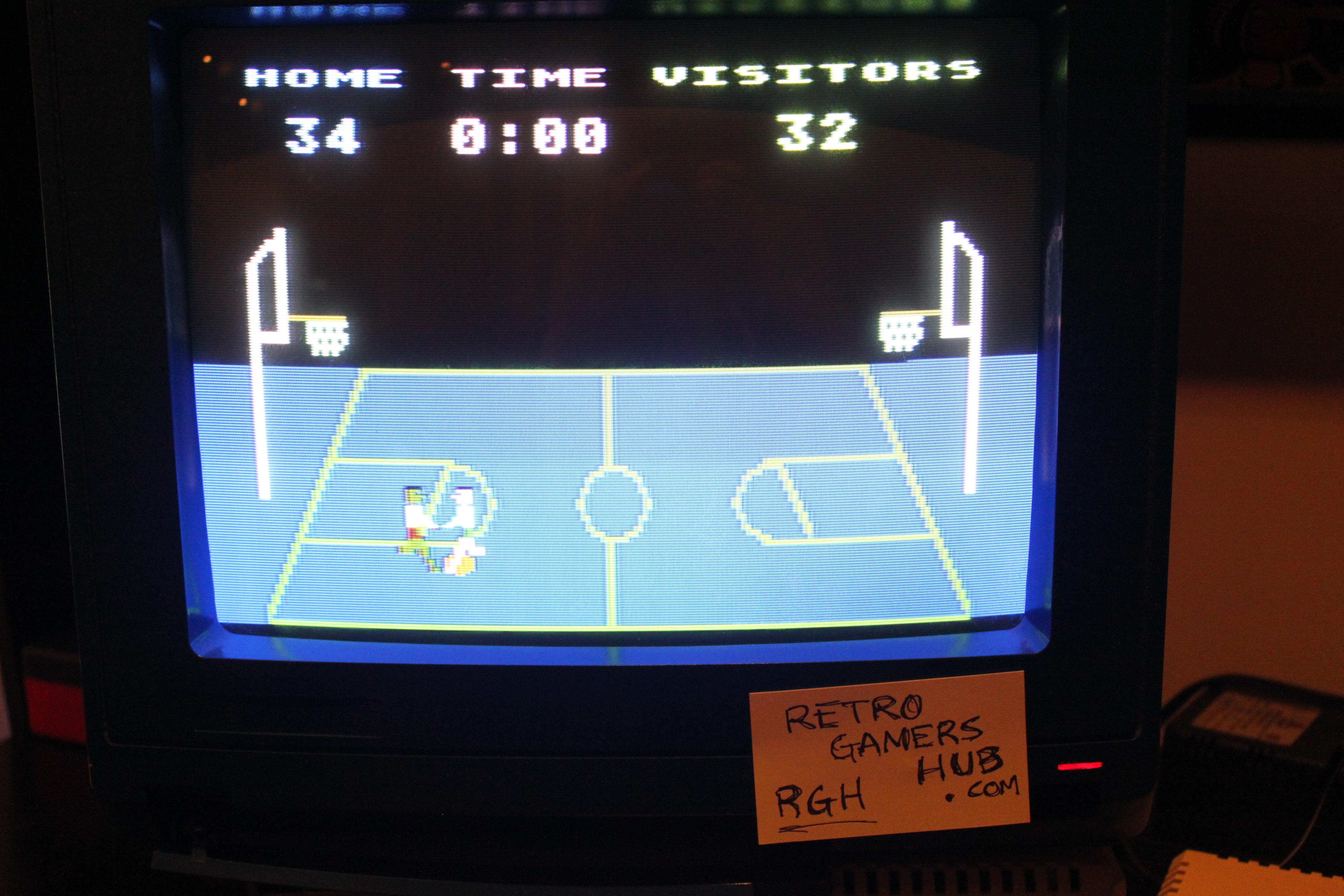 RetroGamersHub: Atari Basketball (Atari 400/800/XL/XE) 34 points on 2016-10-02 08:01:21