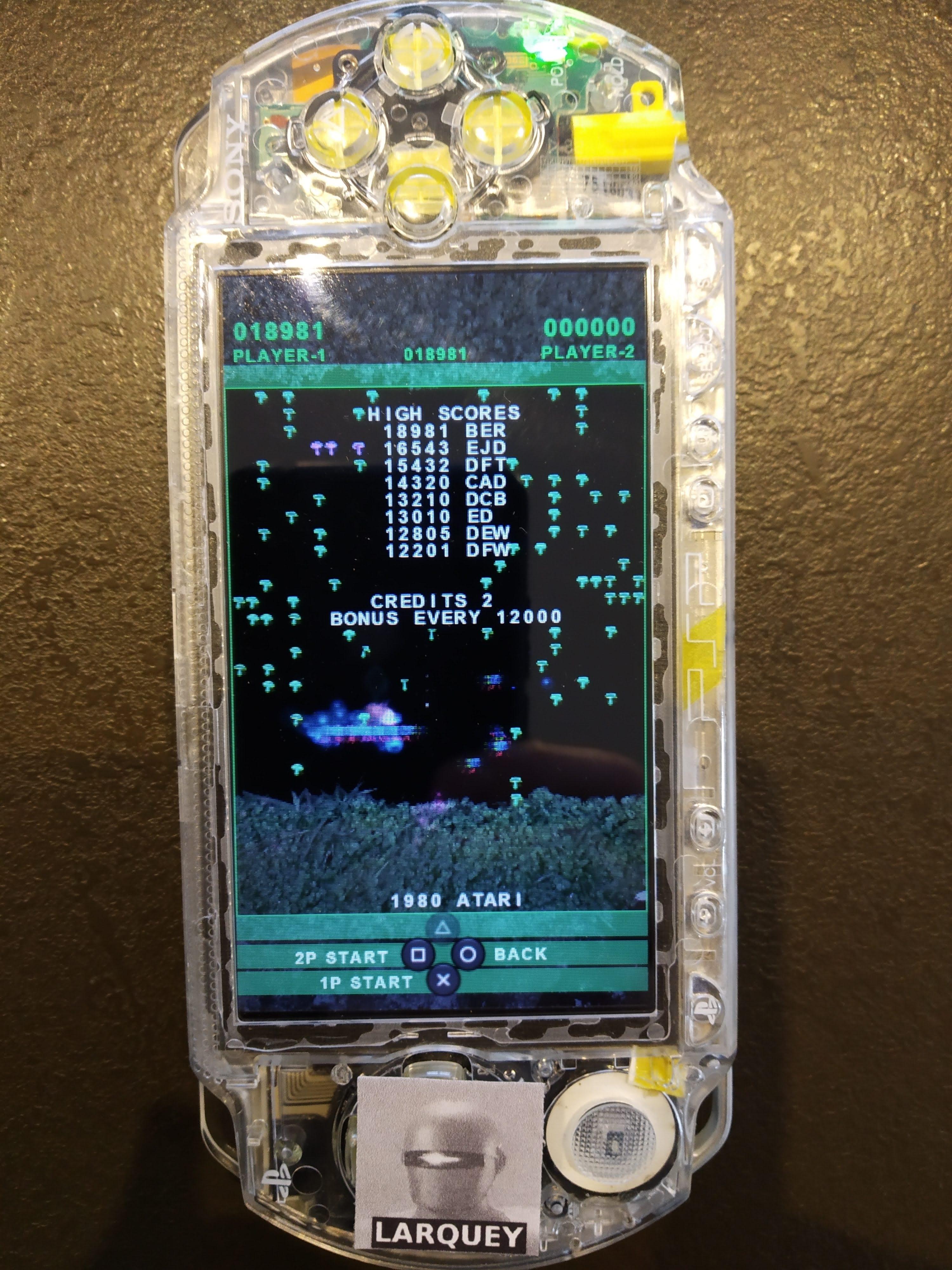 Larquey: Atari Classics Evolved: Centipede [Evolved] (PSP) 18,981 points on 2019-12-27 02:41:41