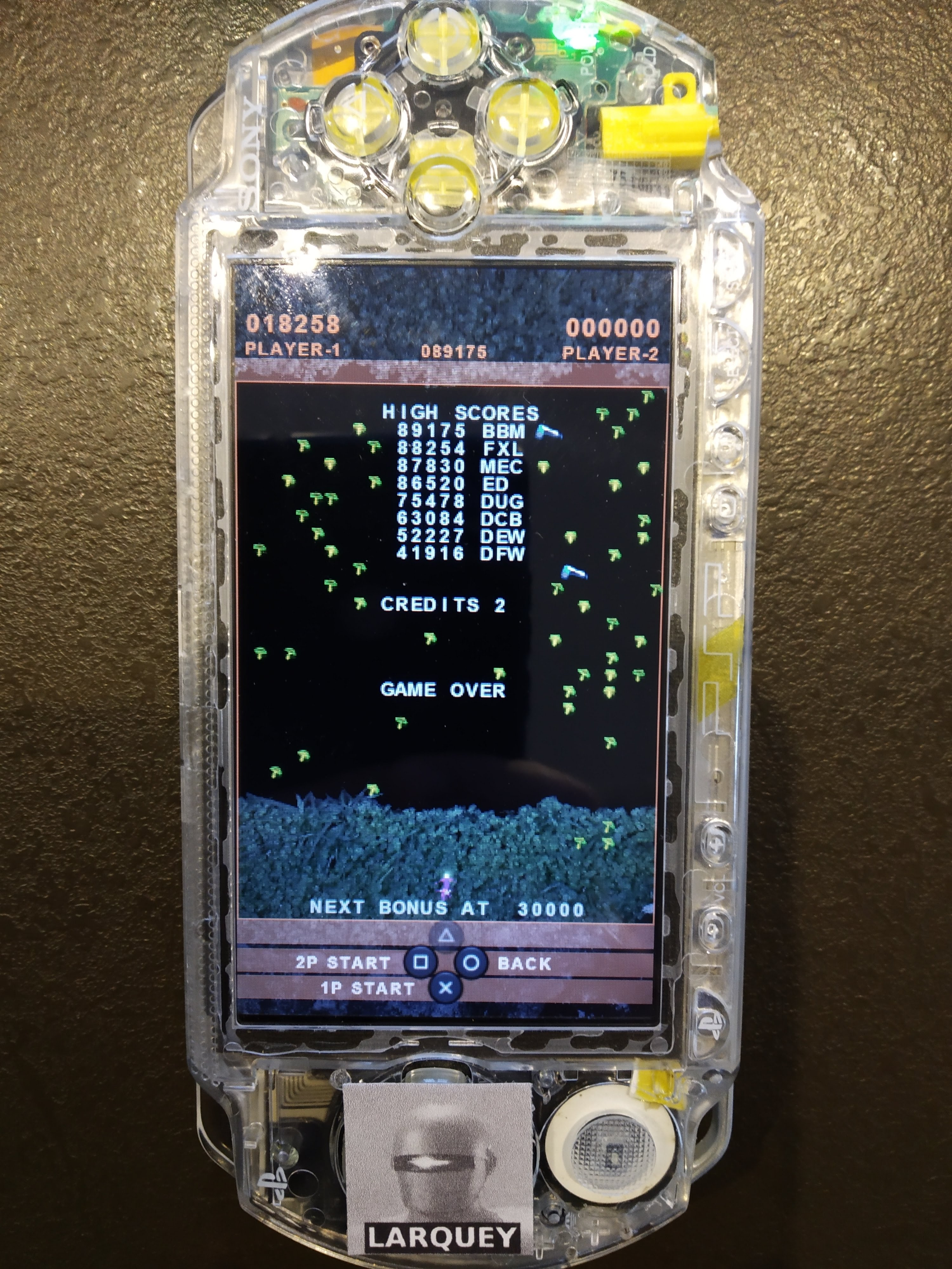 Larquey: Atari Classics Evolved: Millipede [Evolved] (PSP) 18,258 points on 2019-12-27 02:46:20