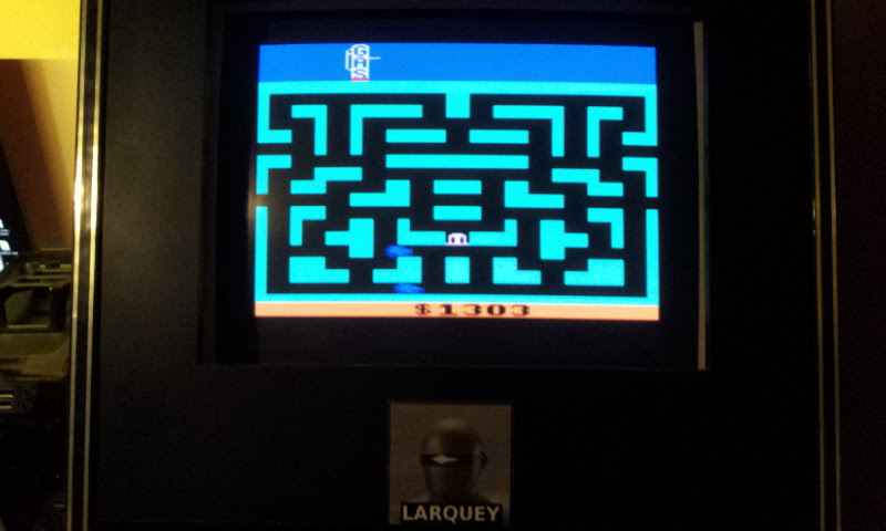 Larquey: Bank Heist (Atari 2600 Emulated Novice/B Mode) 1,303 points on 2017-12-10 11:17:39