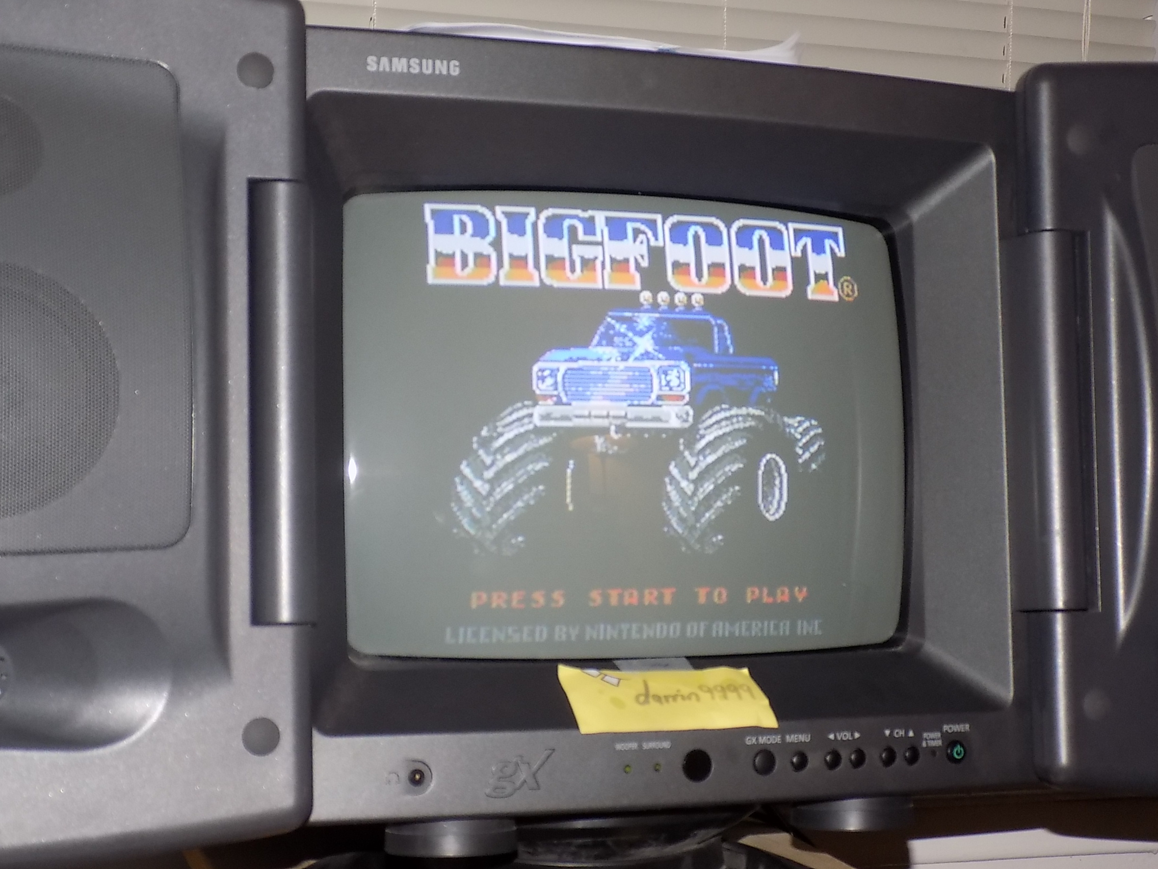 darrin9999: Bigfoot (NES/Famicom) 7,700 points on 2018-01-24 17:45:47