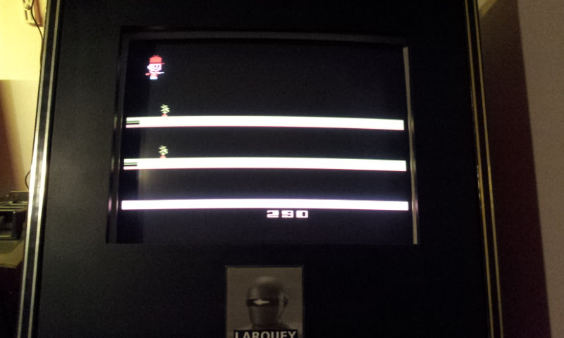 Larquey: Bugs Bunny (Atari 2600 Emulated Novice/B Mode) 290 points on 2017-12-17 12:16:17