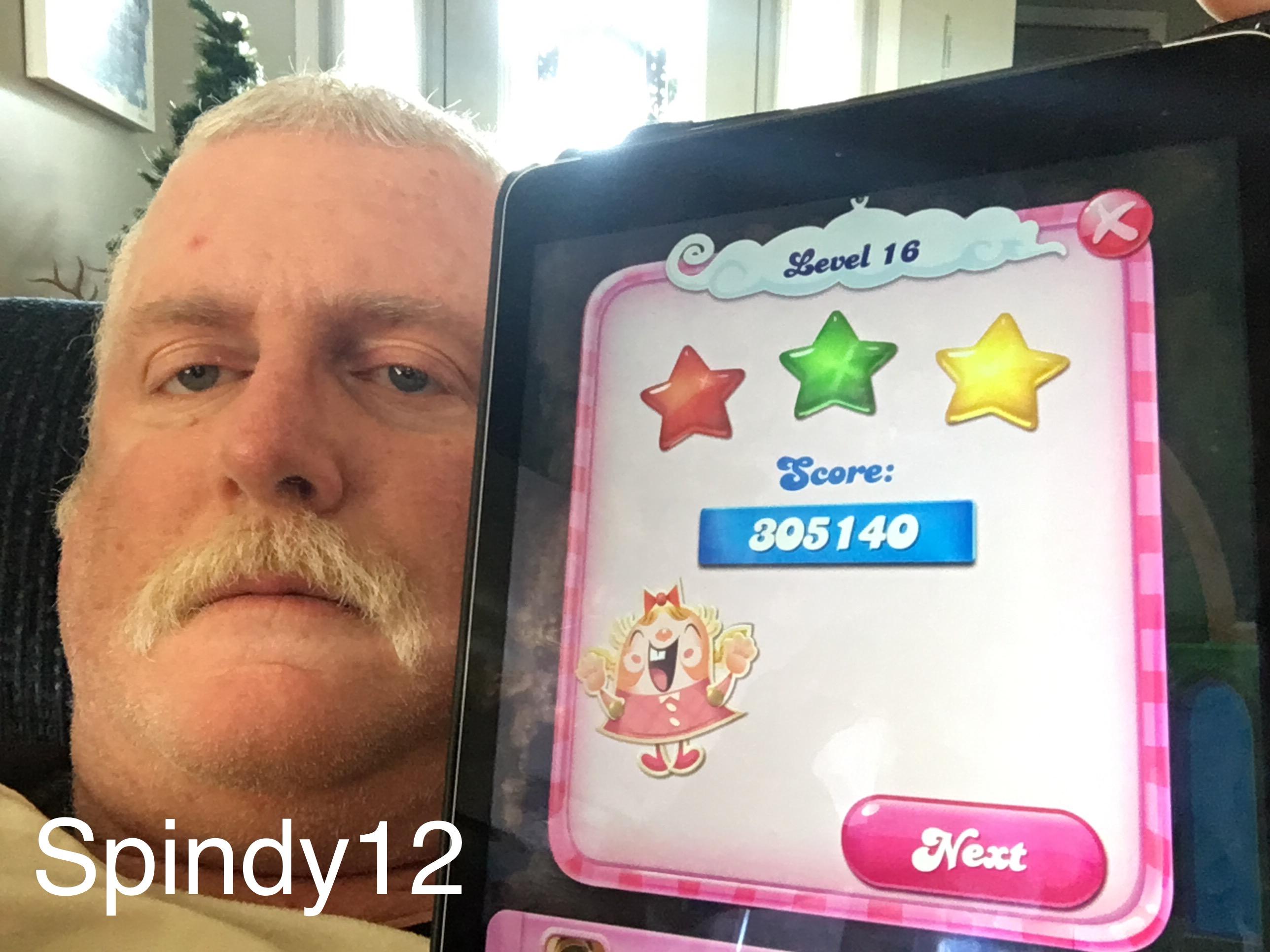 Candy Crush Saga: Level 016 305,140 points