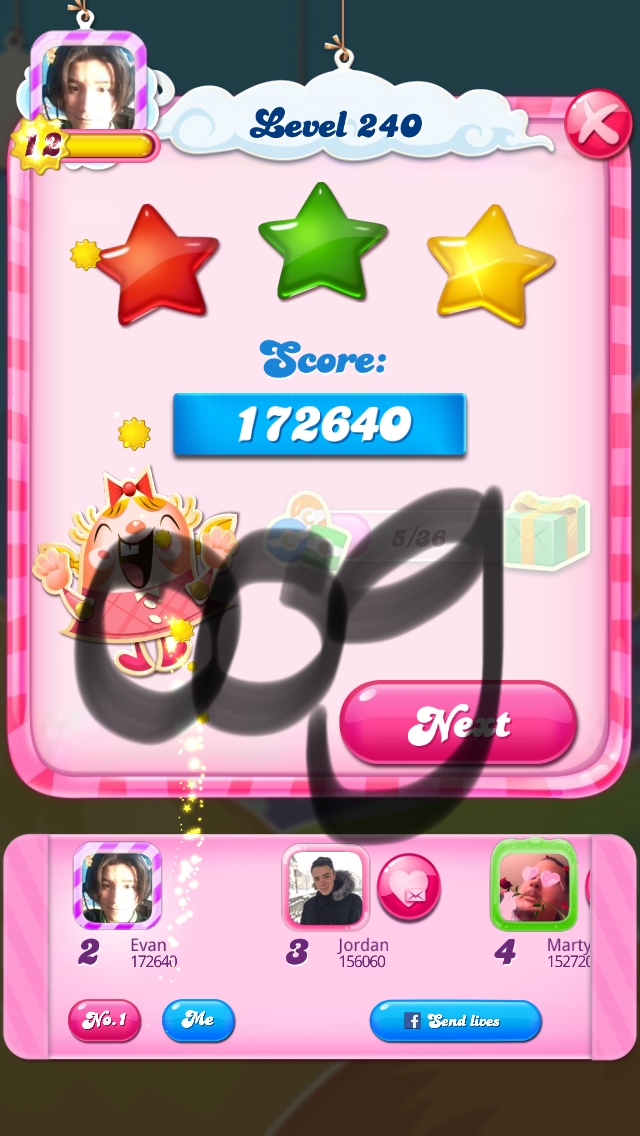 Candy Crush Saga: Level 240 172,640 points