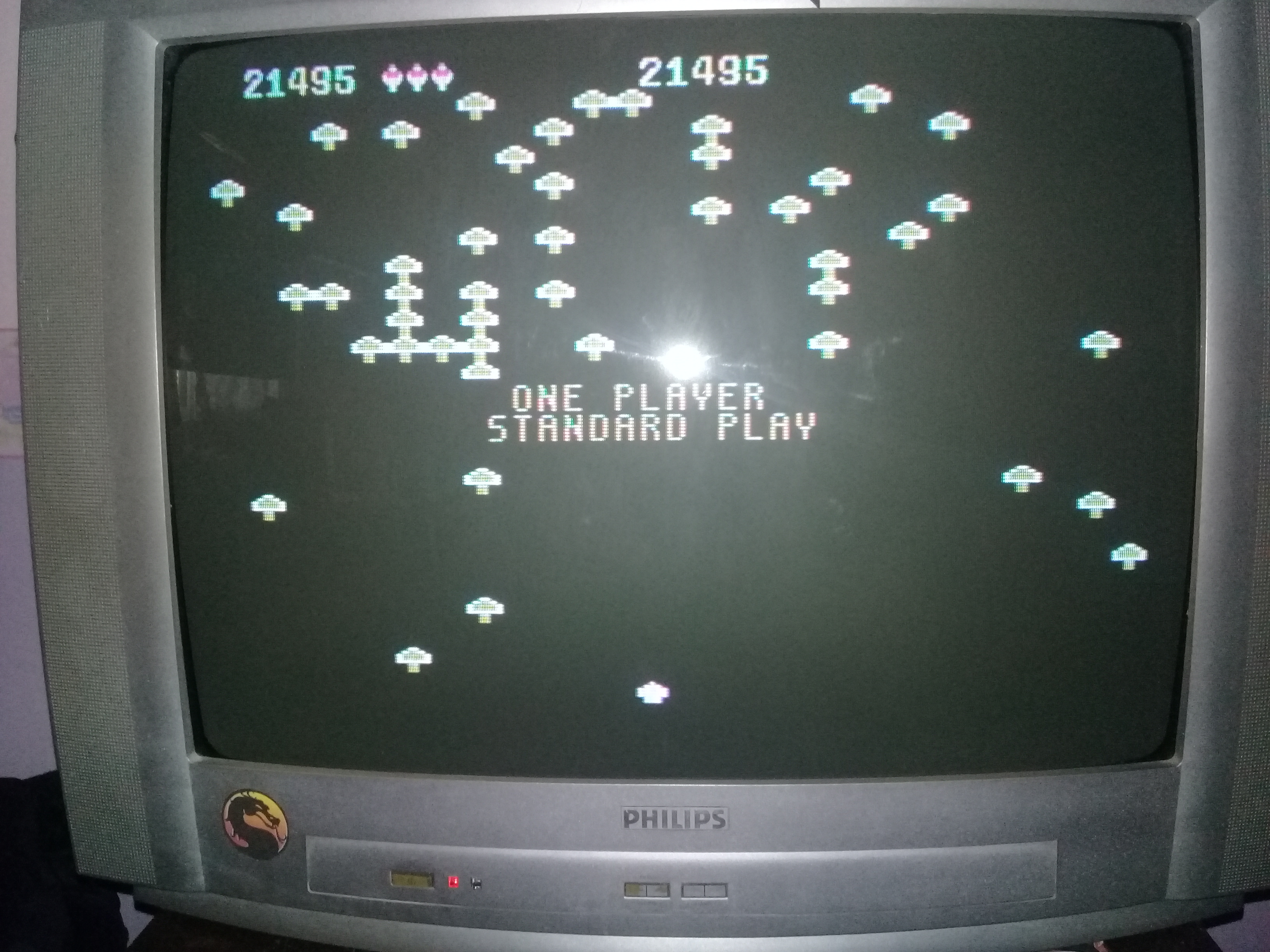 omargeddon: Centipede [5200] [Standard] (Atari 400/800/XL/XE) 21,495 points on 2020-03-30 10:35:04