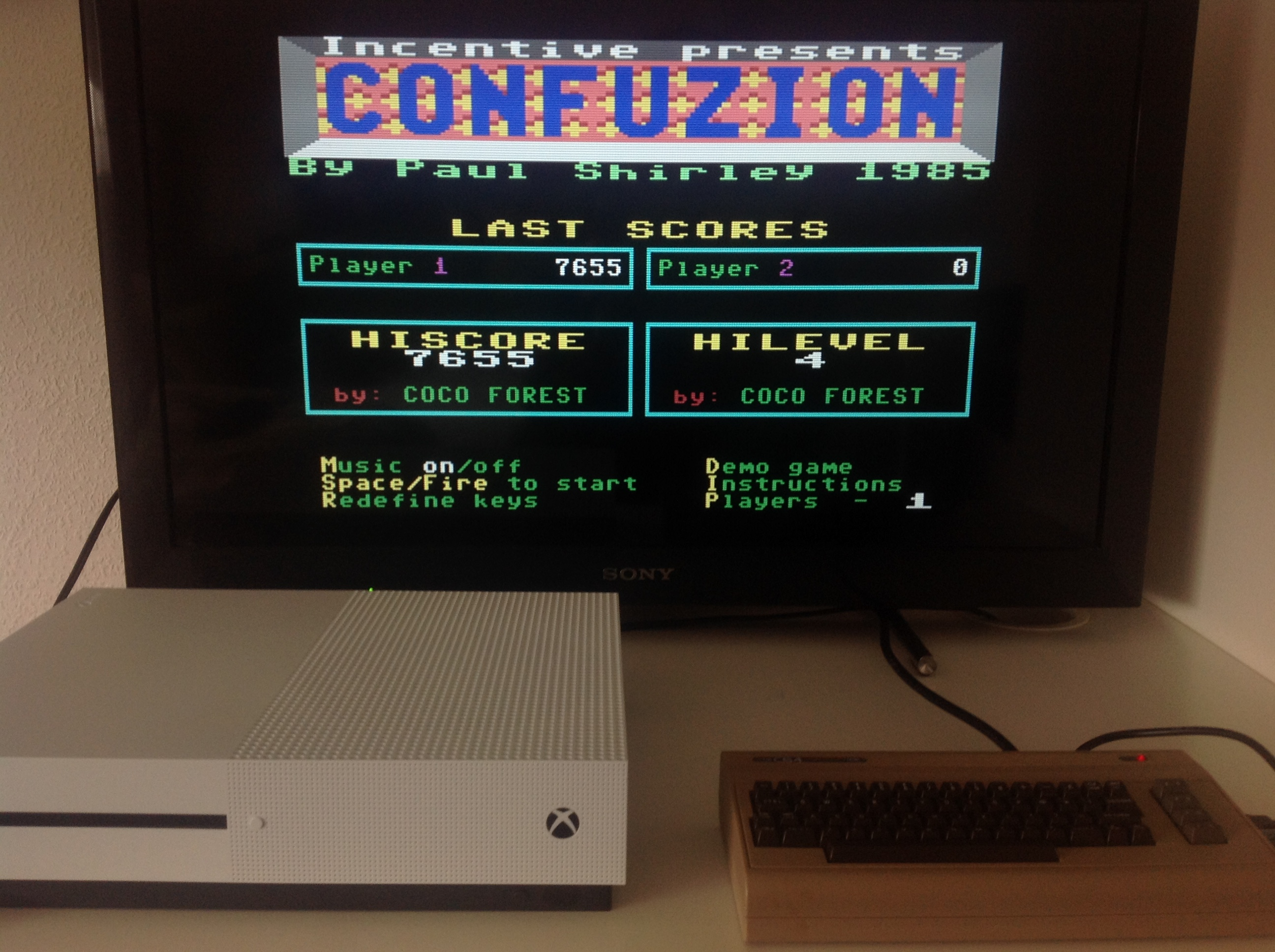 CoCoForest: Confuzion (Commodore 64 Emulated) 7,655 points on 2018-04-06 08:19:25