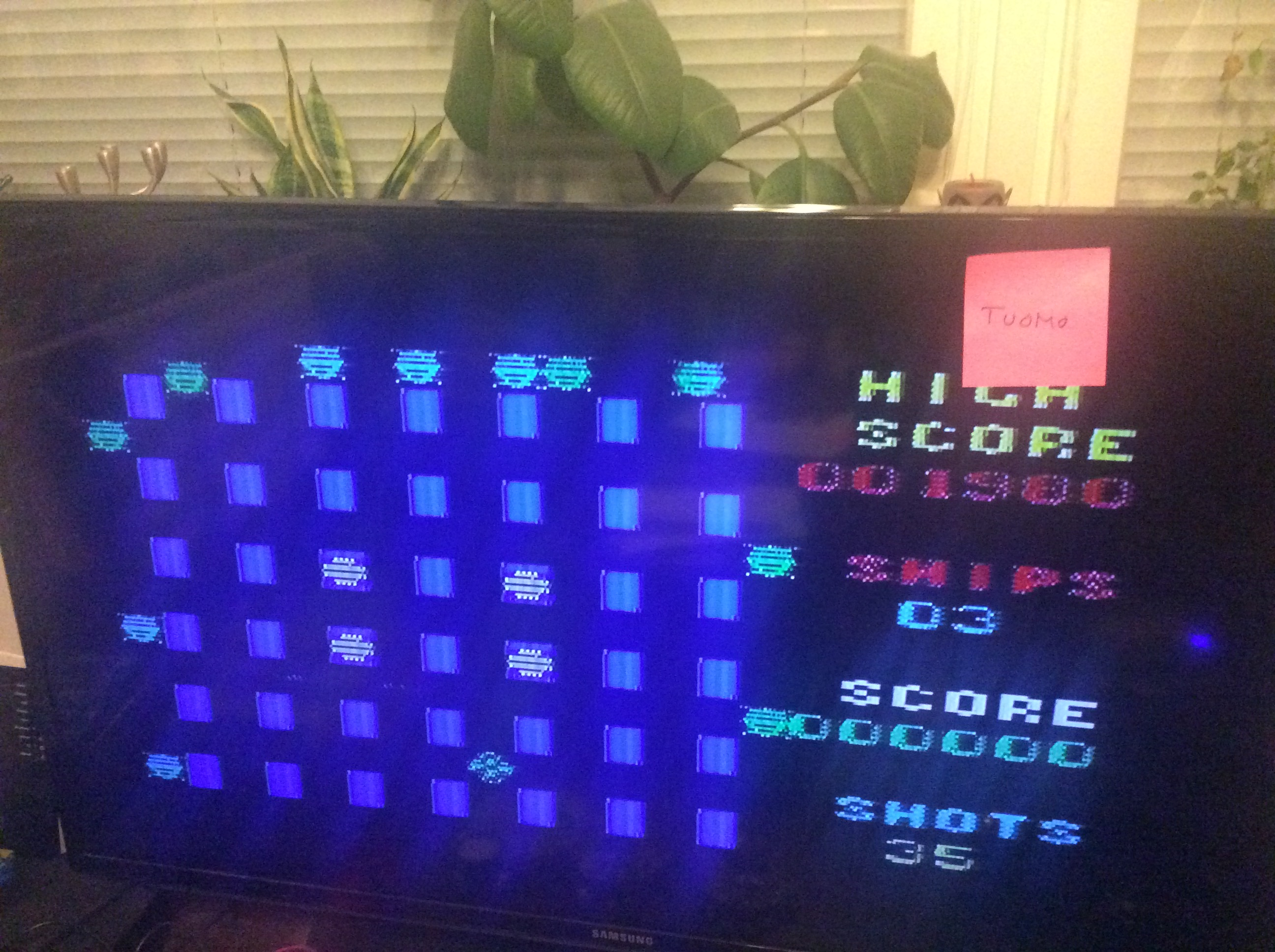 Tuomo: Crossfire (Commodore VIC-20) 1,980 points on 2017-04-04 15:11:00