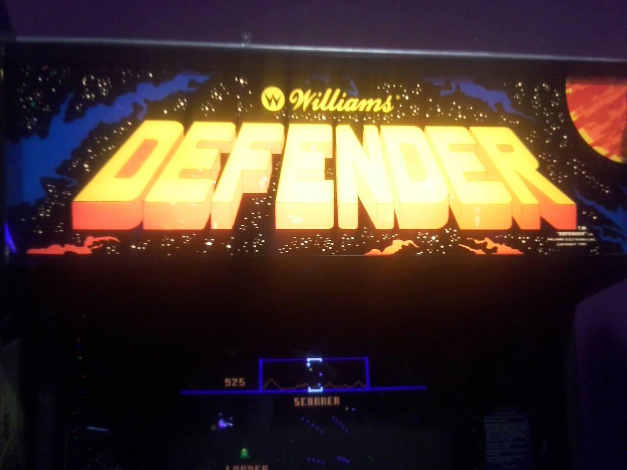 Defender 925 points