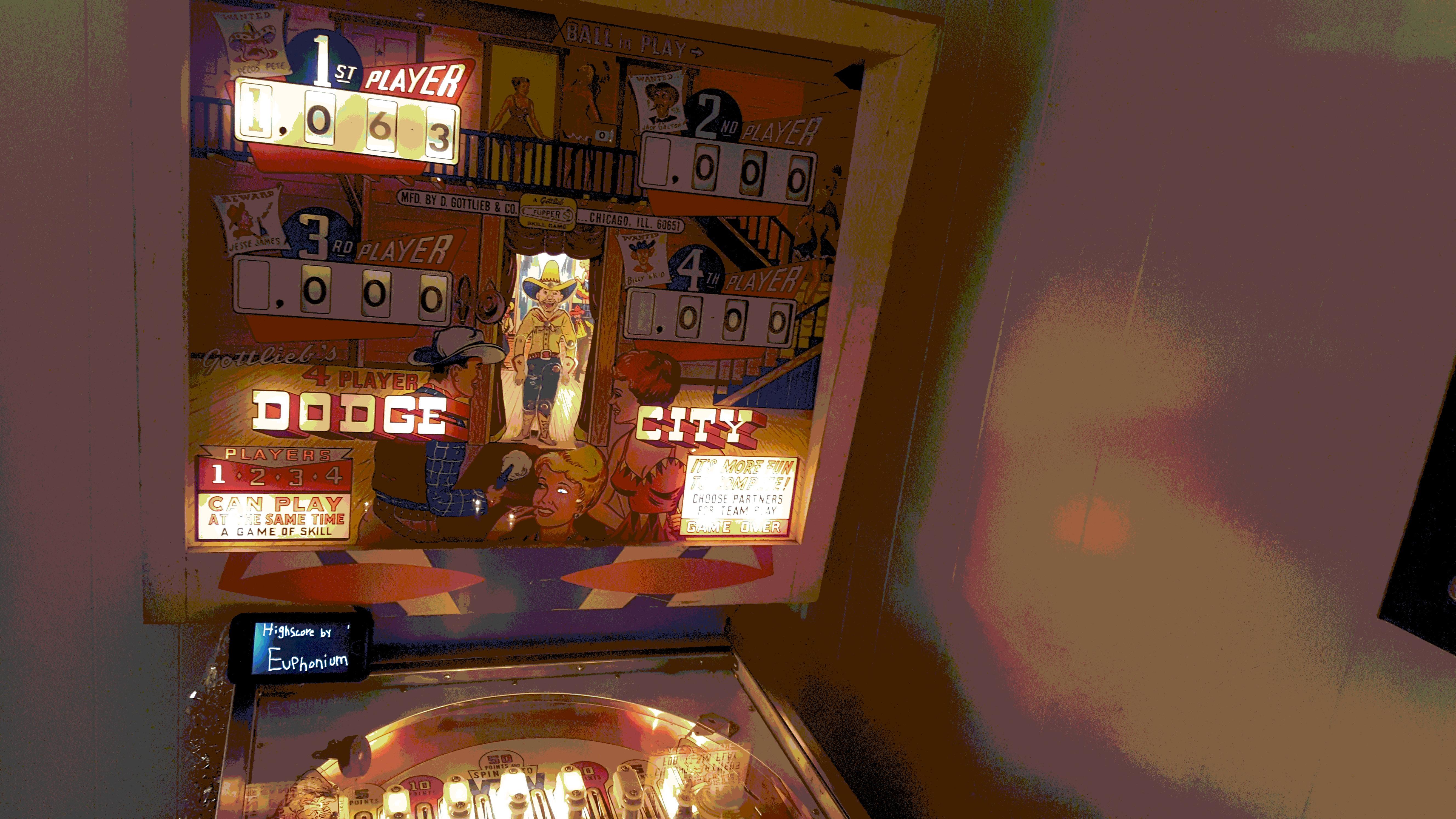 euphonium: Dodge City (Pinball: 5 Balls) 1,063 points on 2017-01-01 21:24:50