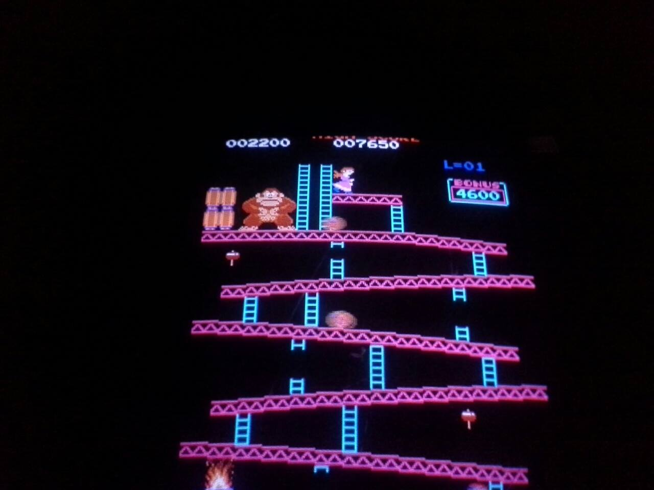 Donkey Kong 2,200 points