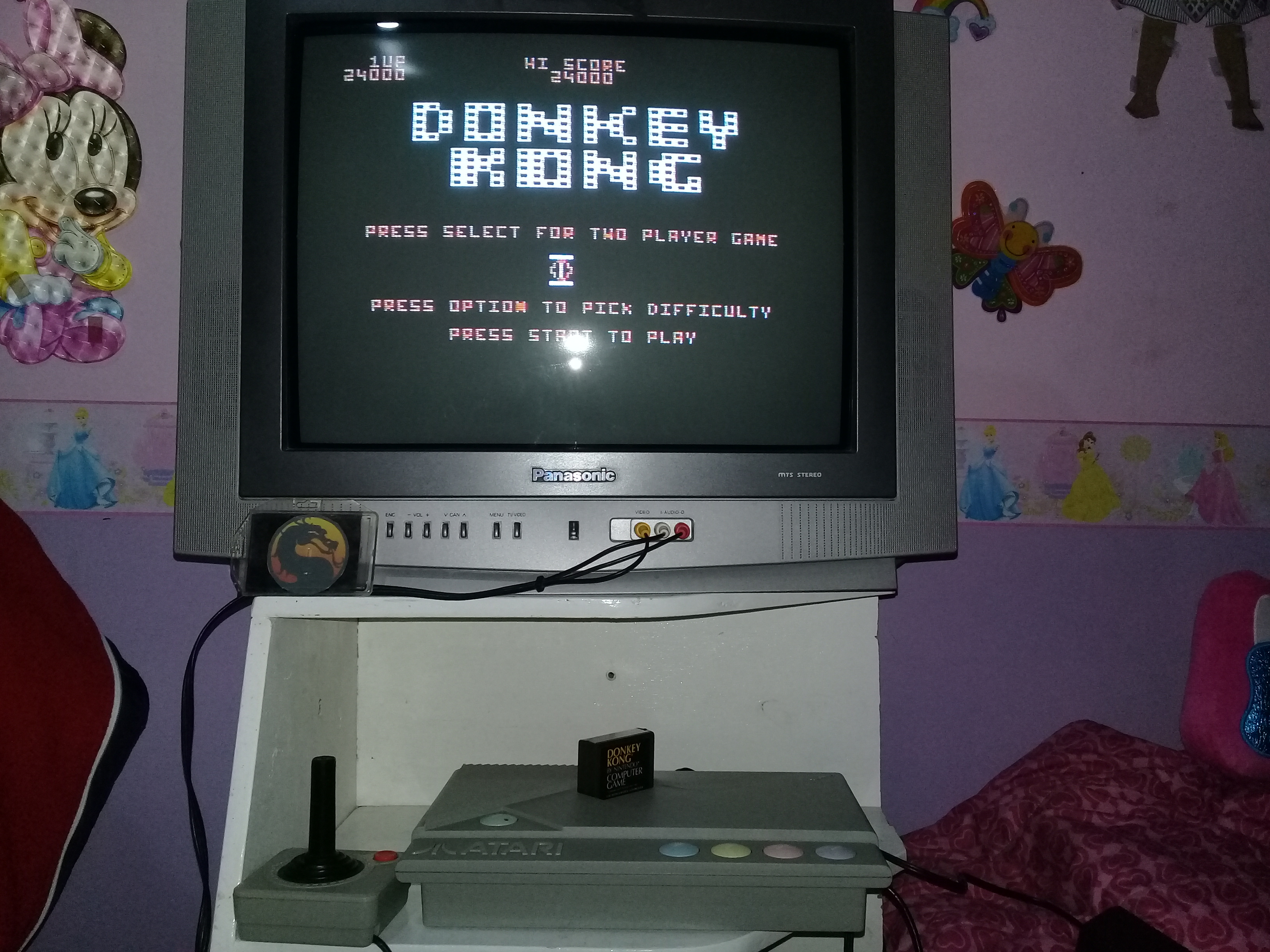 omargeddon: Donkey Kong [Spring Start] (Atari 400/800/XL/XE) 24,000 points on 2019-12-03 17:31:21