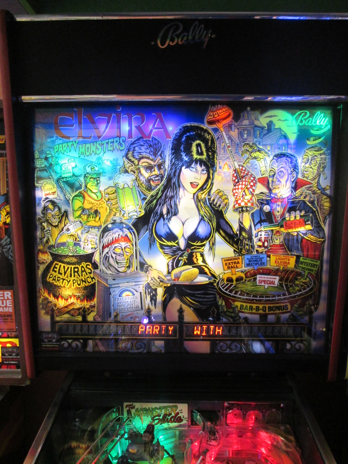 ed1475: Elvira and the Party Monsters (Pinball: 3 Balls) 1,473,270 points on 2016-09-18 15:02:59
