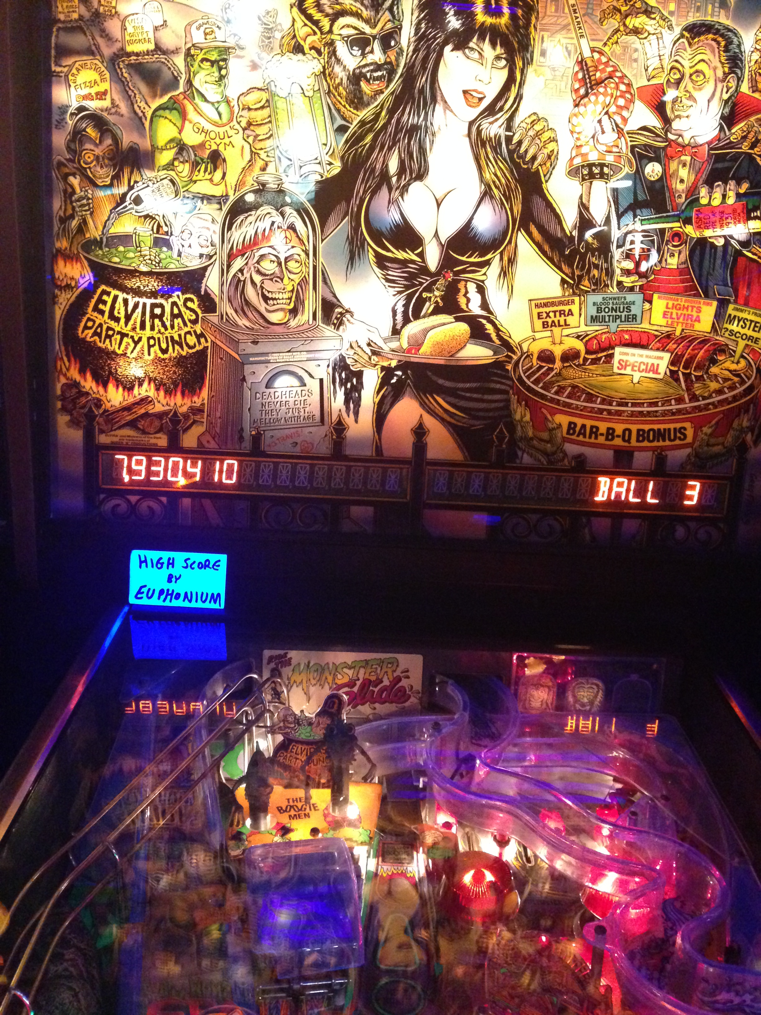 euphonium: Elvira and the Party Monsters (Pinball: 3 Balls) 9,536,590 points on 2017-07-01 09:17:53