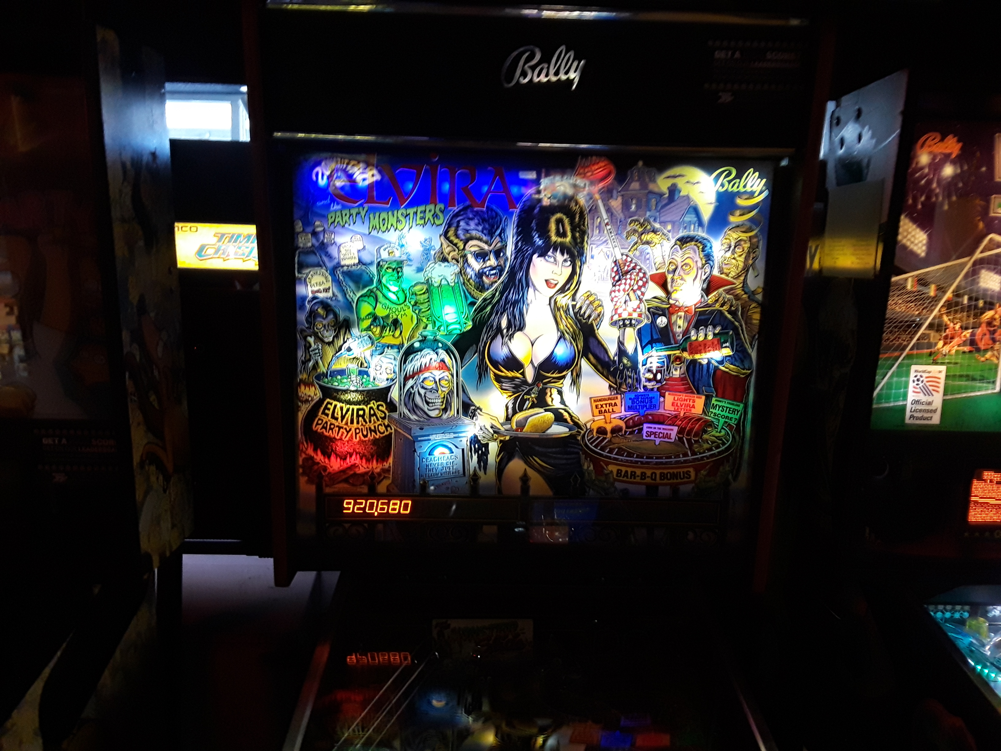 JML101582: Elvira and the Party Monsters (Pinball: 3 Balls) 920,680 points on 2018-08-18 19:08:50