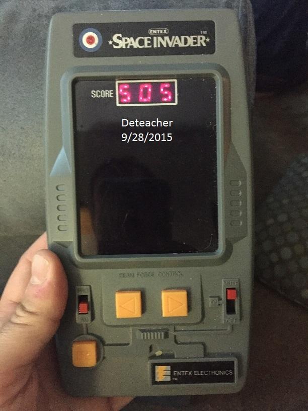 Deteacher: Entex Space Invader (Dedicated Handheld) 505 points on 2015-09-28 07:05:39