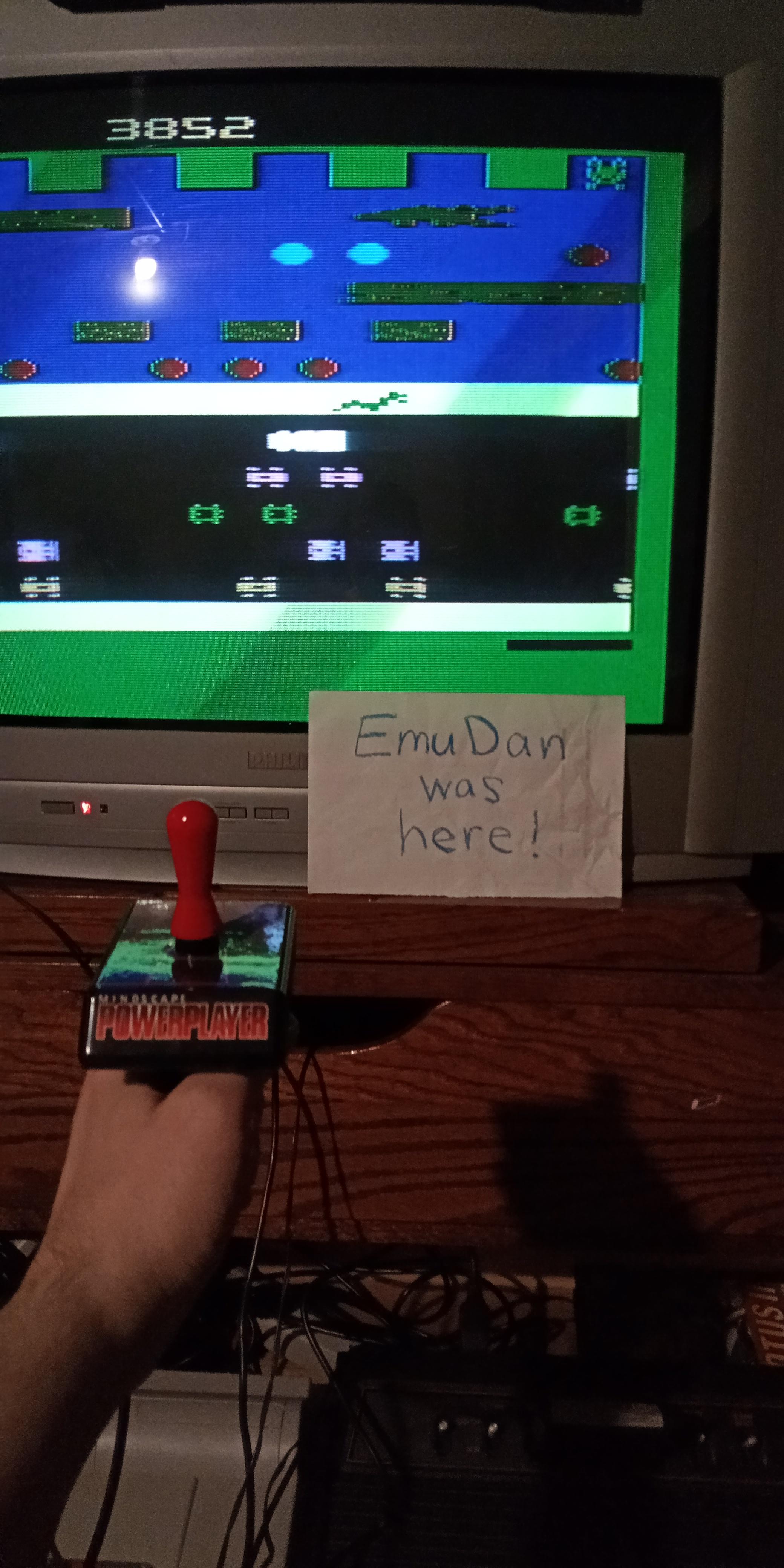 EmuDan: Frogger (Atari 2600 Novice/B) 3,852 points on 2020-05-15 21:08:26