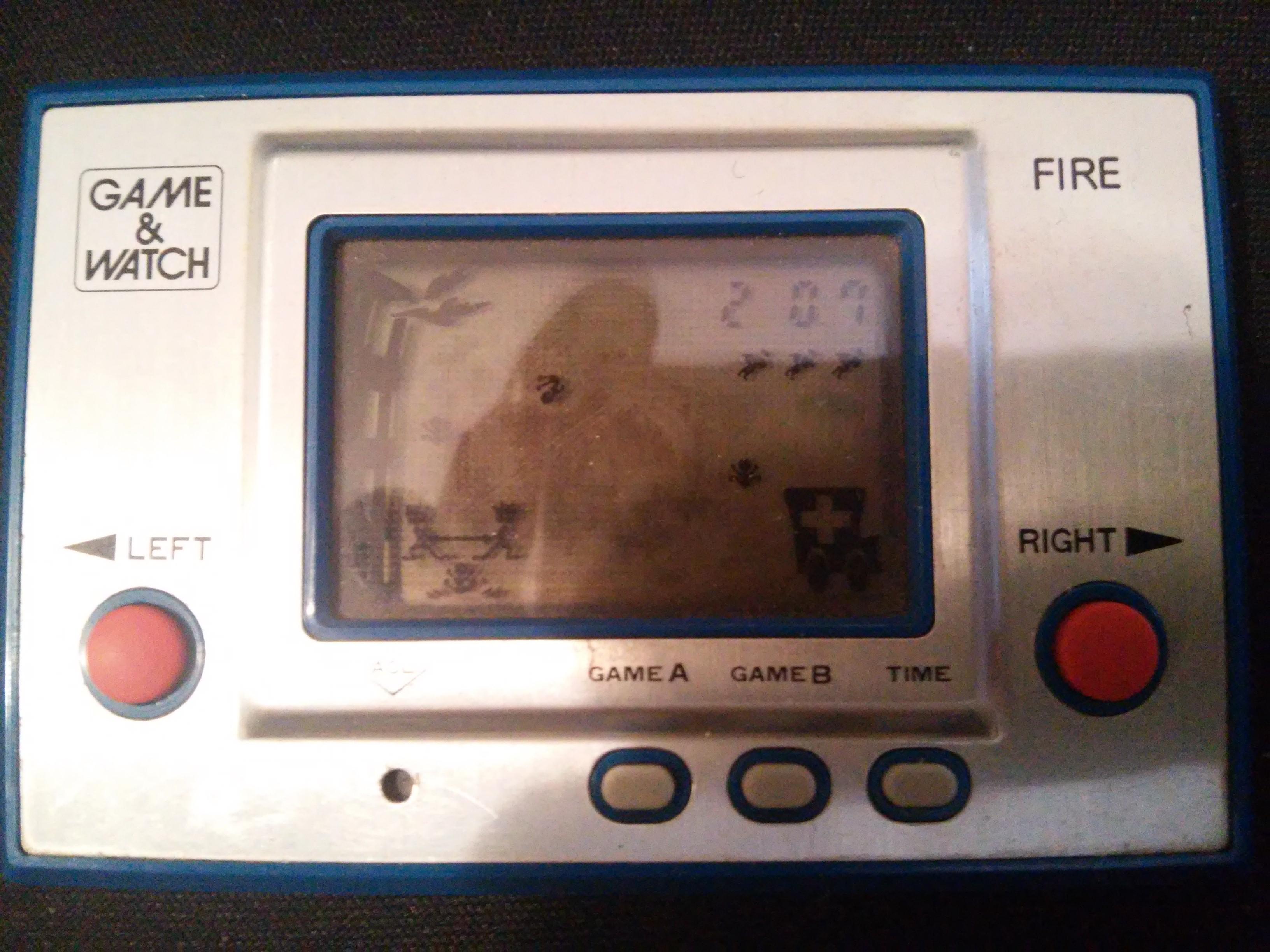 zerooskul: Game & Watch: Fire [aka Fireman Fireman] [Game B] (Dedicated Handheld) 207 points on 2019-01-05 13:23:16