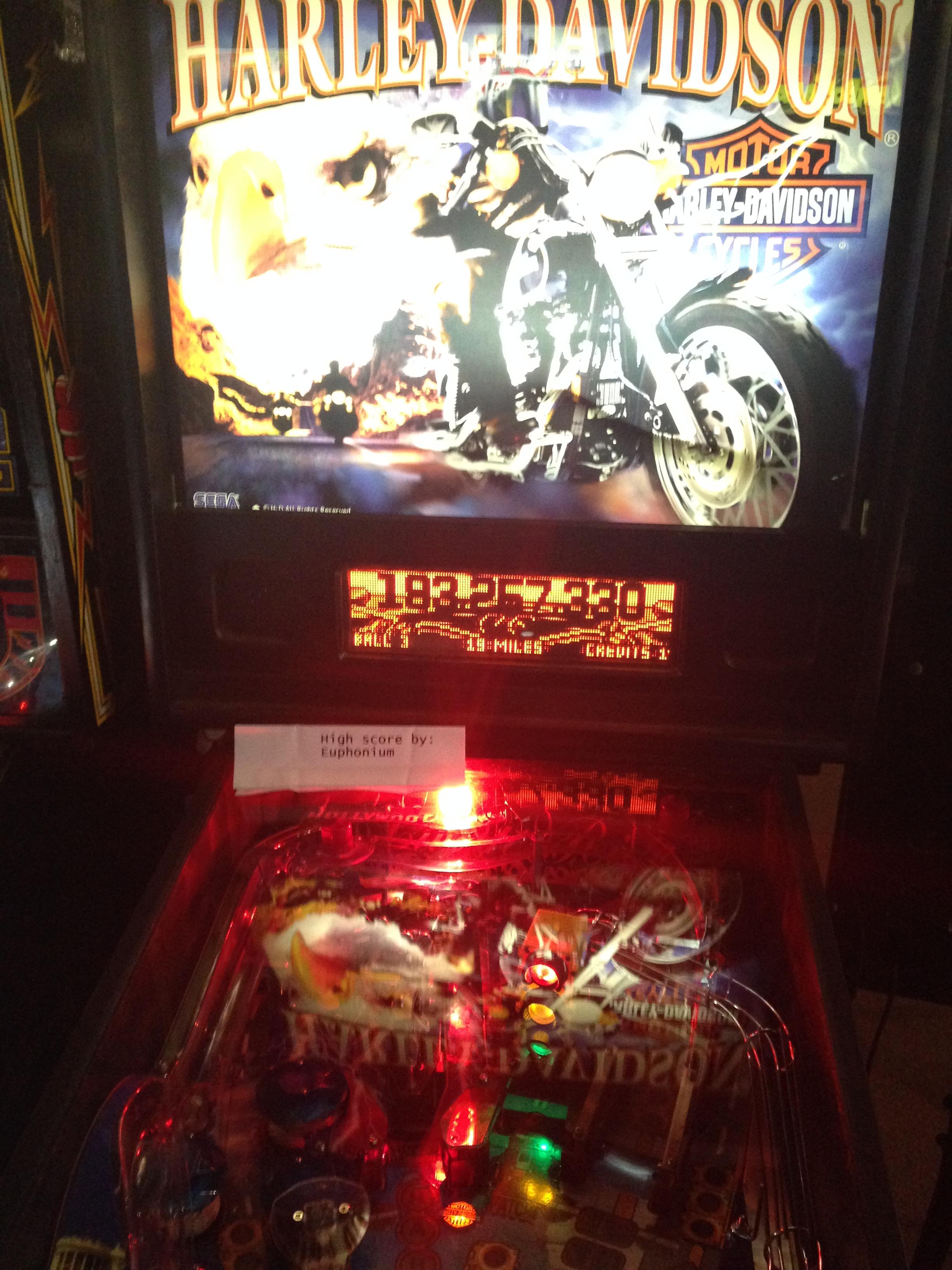 euphonium: Harley Davidson (Sega/Stern) (Pinball: 3 Balls) 193,257,330 points on 2016-09-21 09:48:25