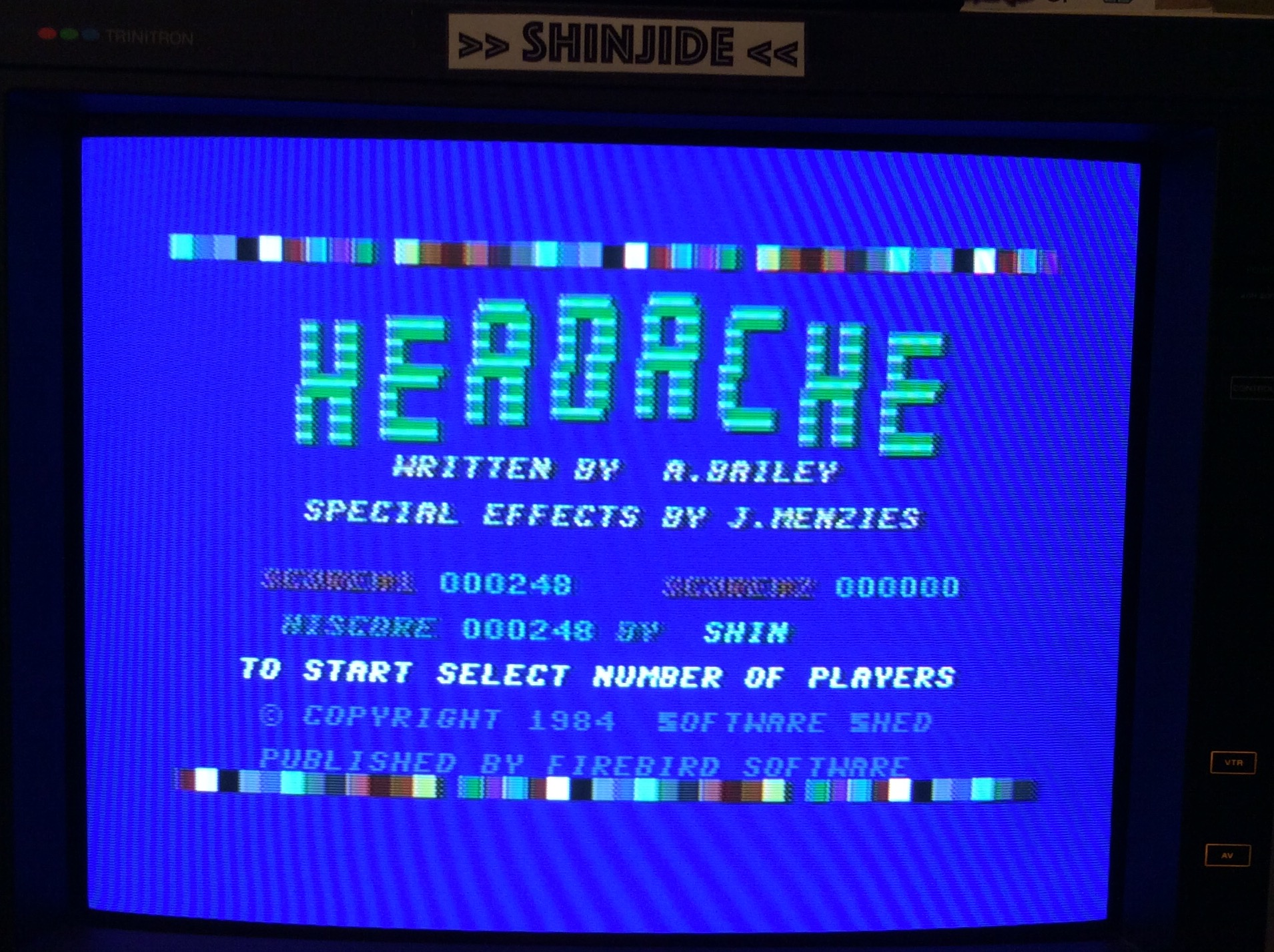 SHiNjide: Headache (Commodore 64) 248 points on 2015-11-29 11:19:29