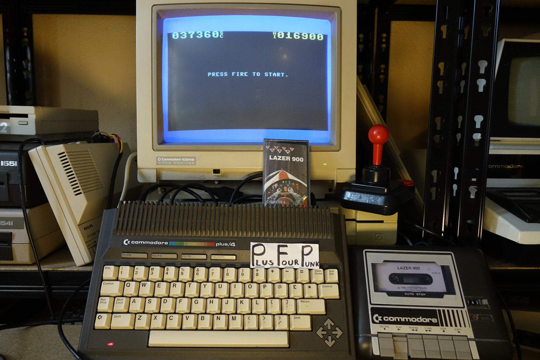 plus4punk: Lazer 900 (Commodore 16/Plus4) 37,360 points on 2020-05-16 13:57:49