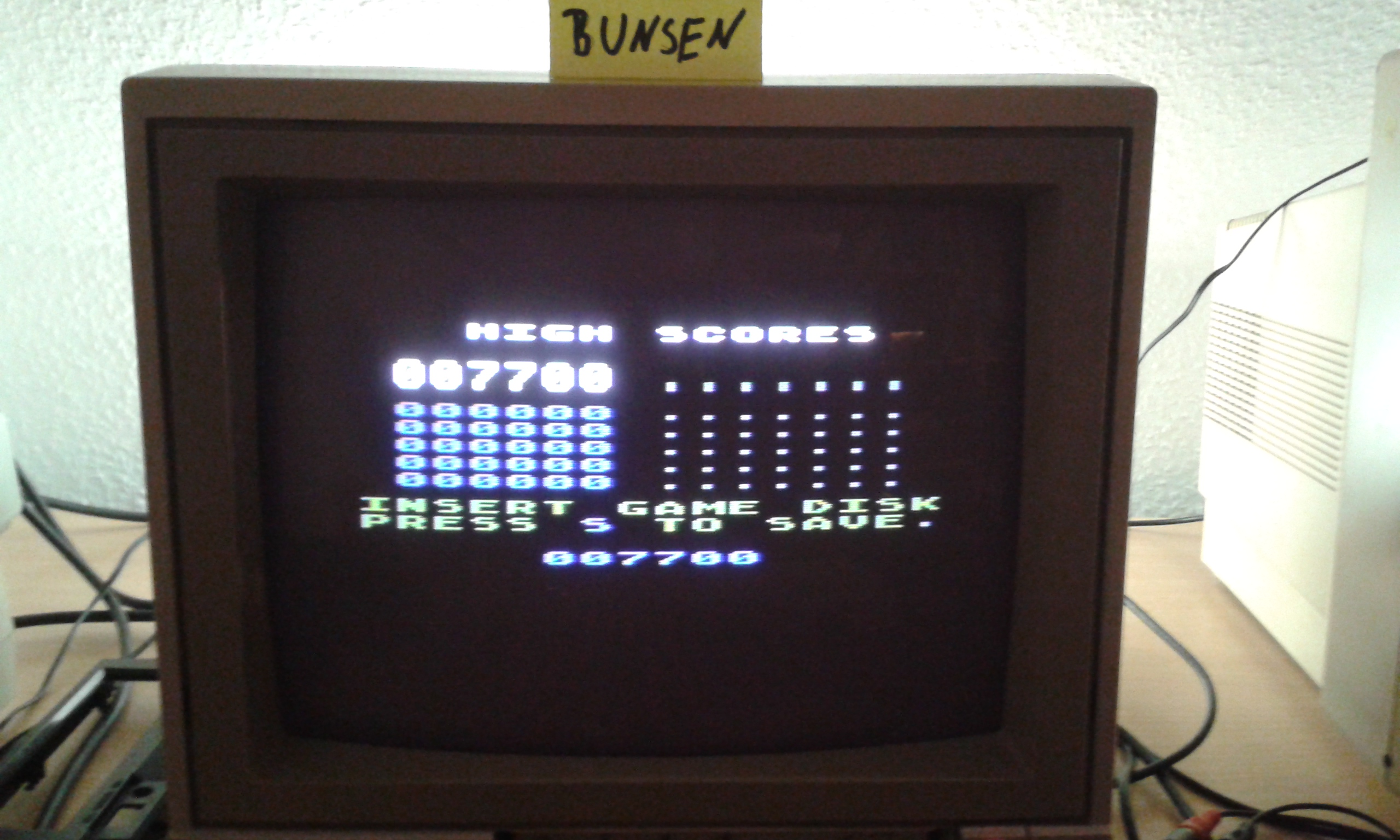 Bunsen: Livewire 2 (Atari 400/800/XL/XE) 7,700 points on 2015-10-30 14:24:17