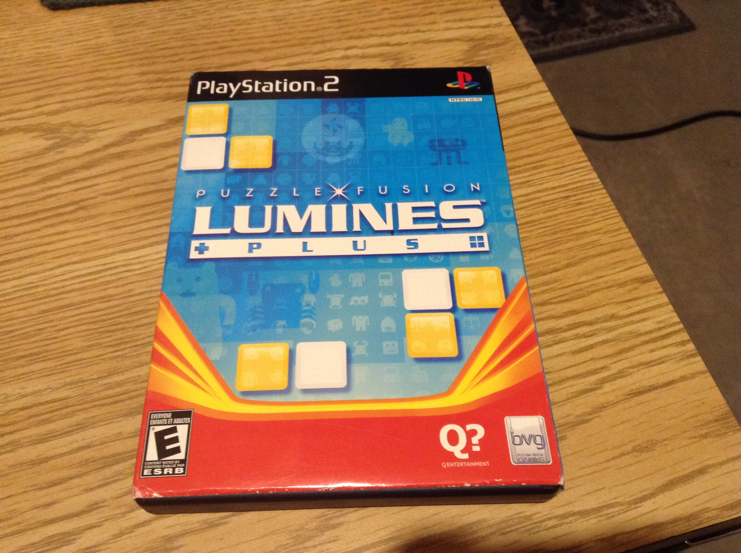 Arrowhead12: Lumines Plus (Playstation 2) 37,995 points on 2019-05-24 21:12:46
