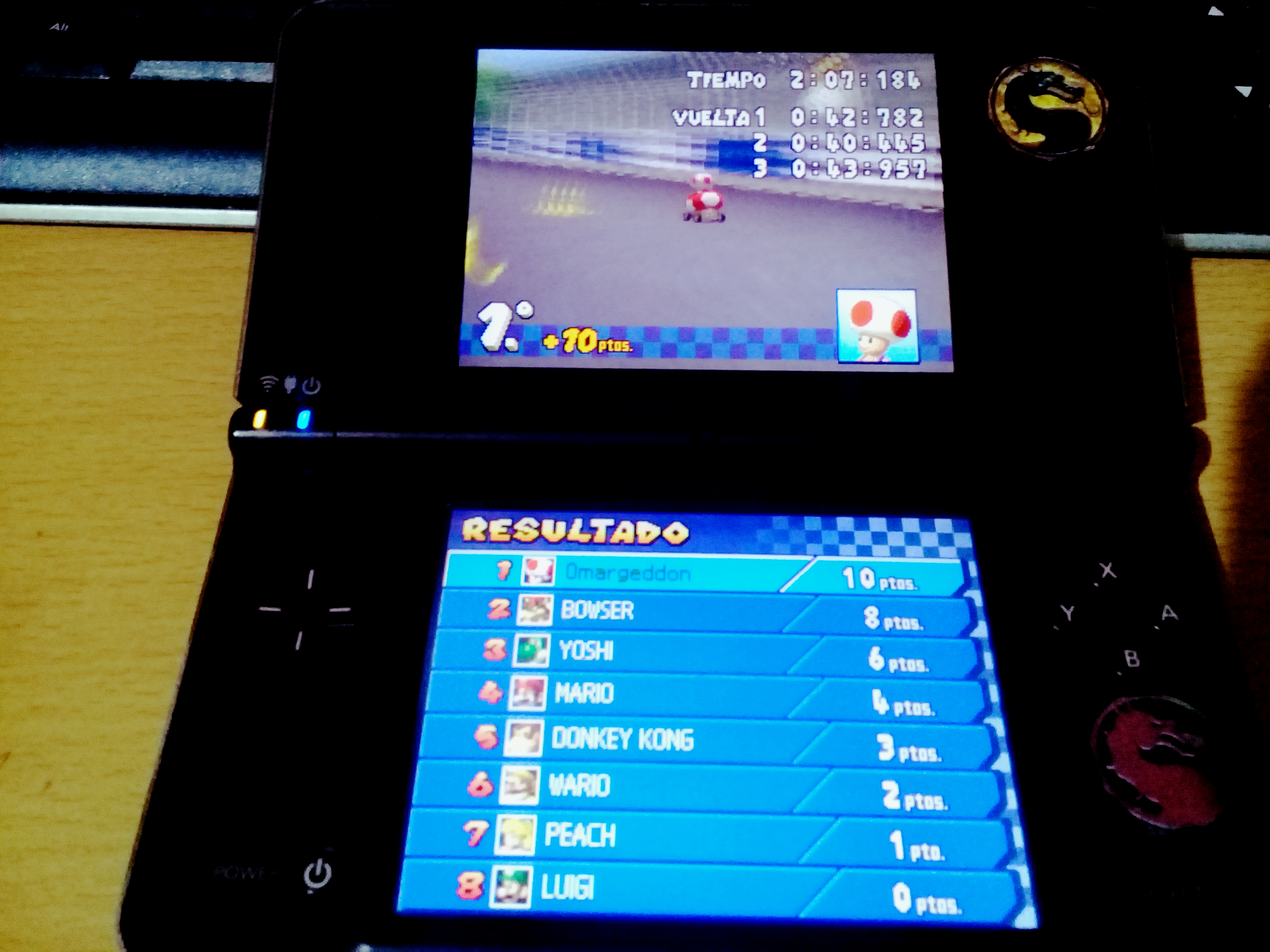 omargeddon: Mario Kart DS: Figure-8 Circuit [100cc] [Lap Time] (Nintendo DS) 0:00:40.445 points on 2020-09-14 14:39:51