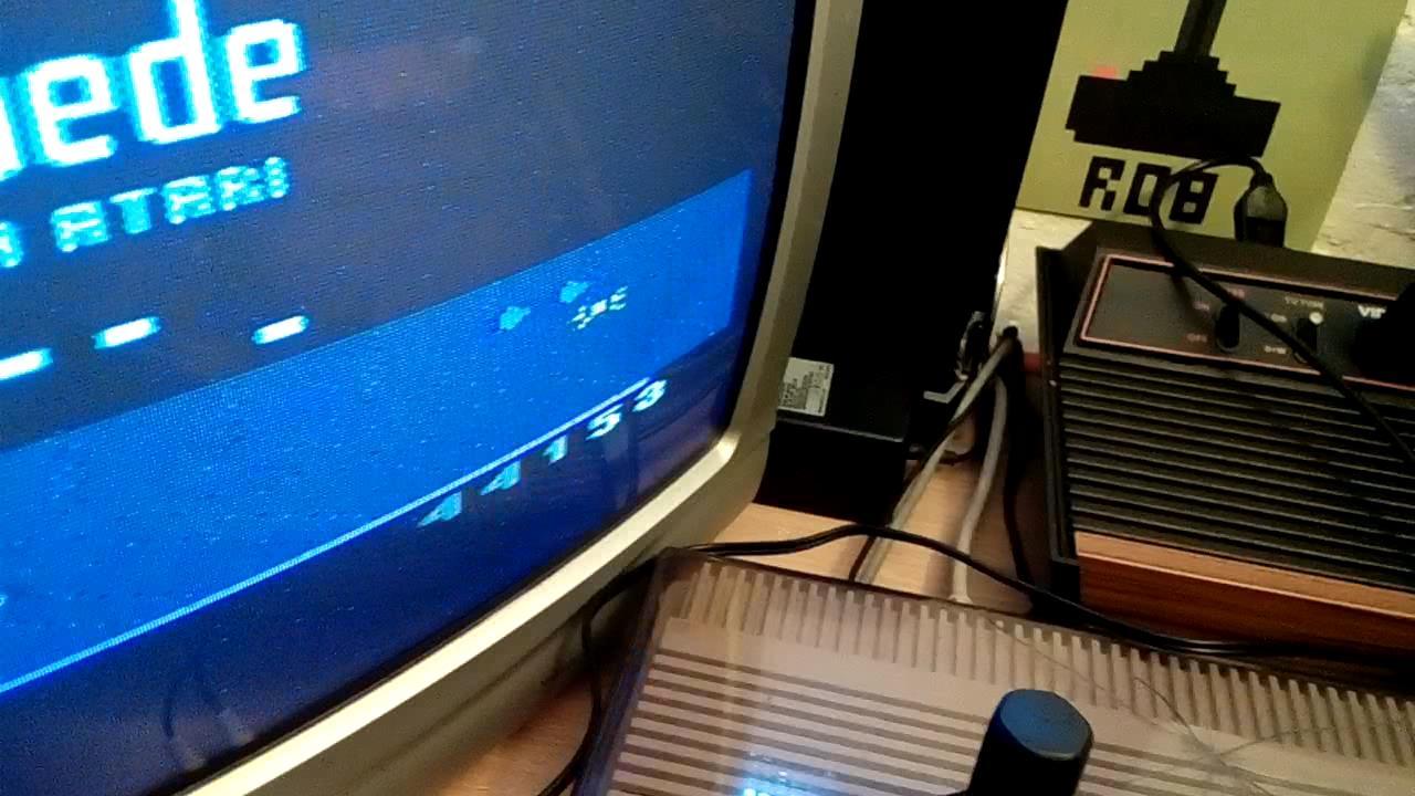 RetroRob: Millipede (Atari 2600 Novice/B) 44,153 points on 2019-10-13 04:19:22