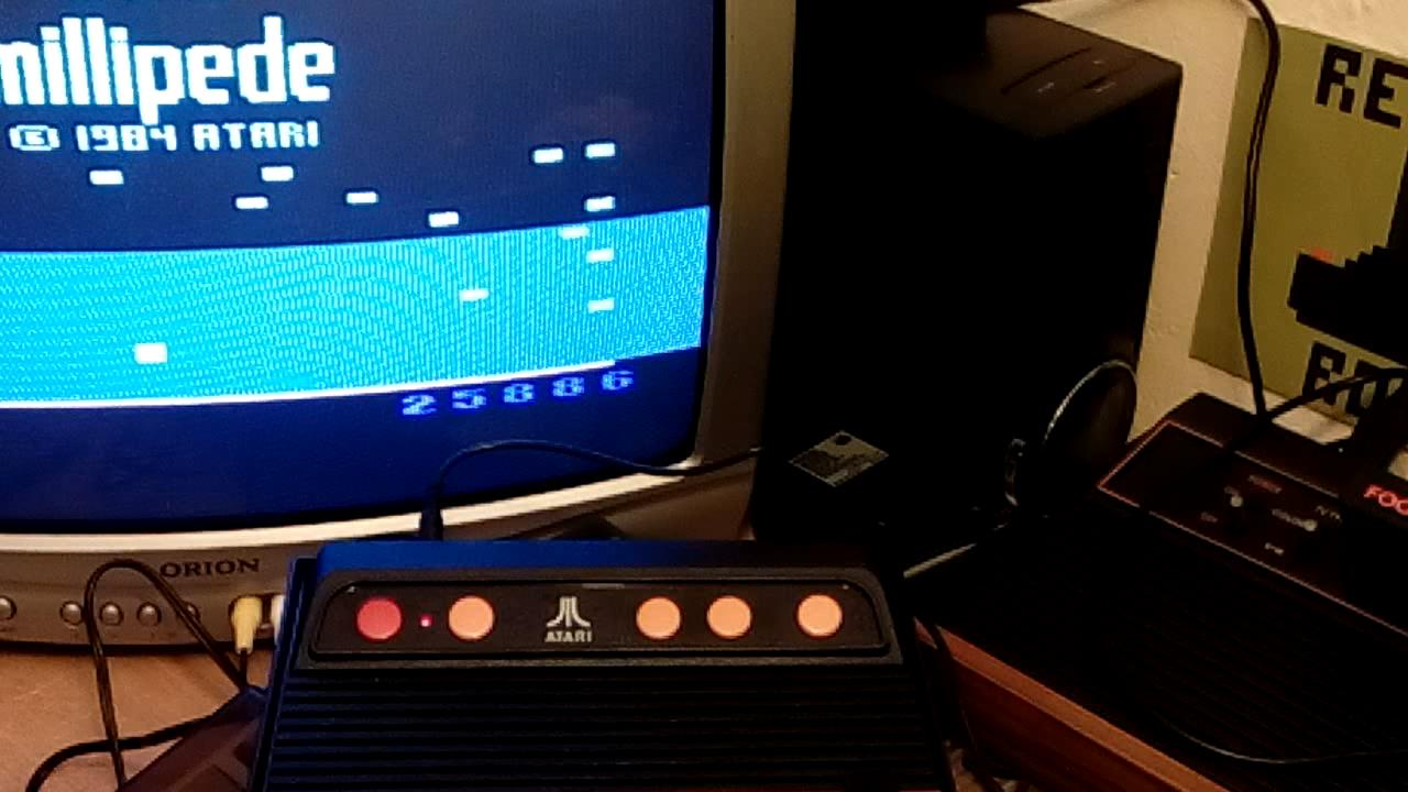RetroRob: Millipede (Atari 2600 Emulated Novice/B Mode) 25,886 points on 2019-09-29 11:27:05