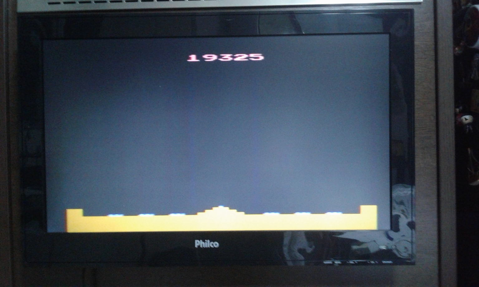 oyamafamily: Missile Command: Game 4 (Atari 2600 Expert/A) 19,325 points on 2017-01-25 19:24:13
