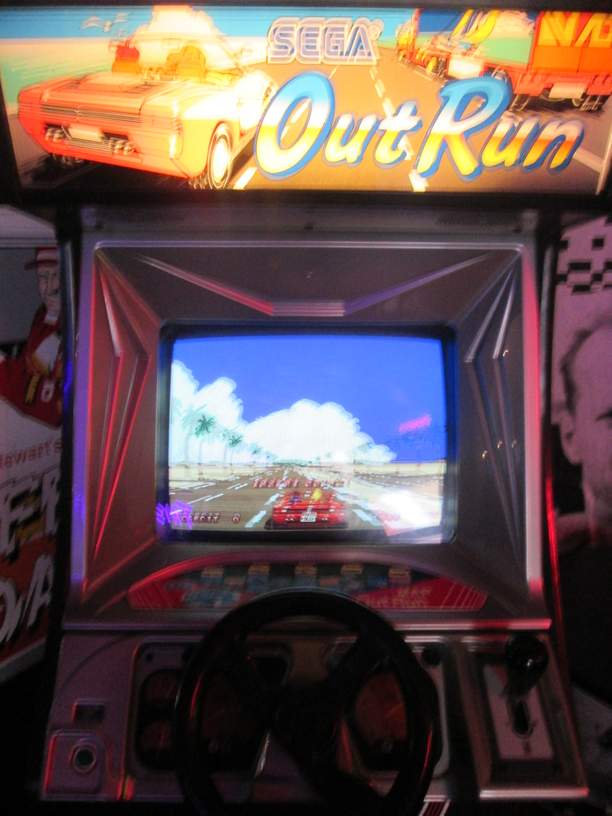 ed1475: Outrun (Arcade) 649,260 points on 2016-09-04 15:29:29