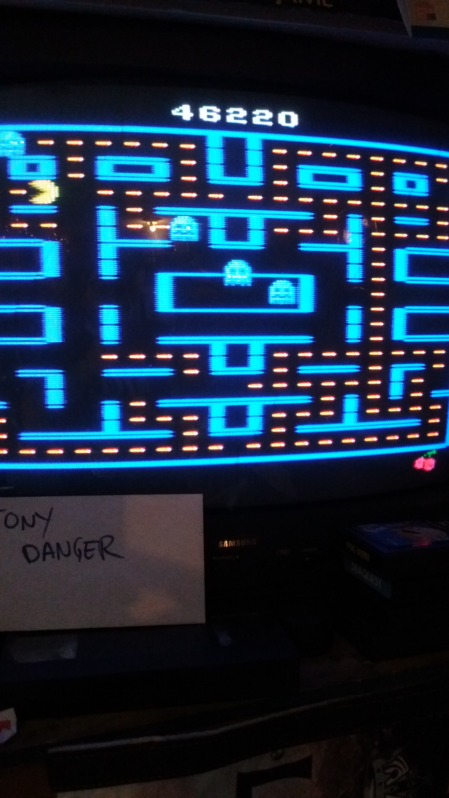 Pac-Man 2600 [8K Version] [Cherries] 46,220 points
