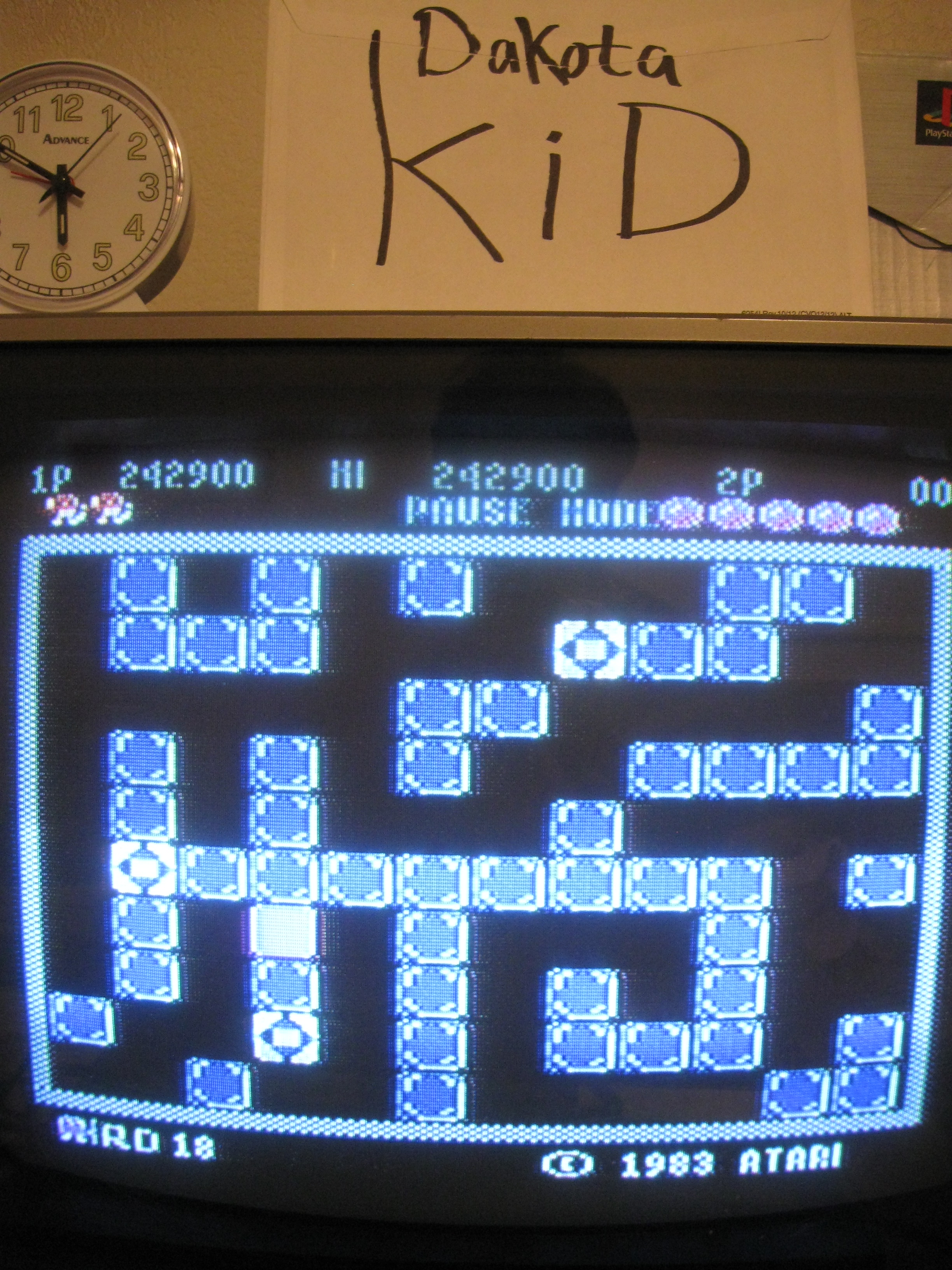 DakotaKid: Pengo (Atari 5200) 318,390 points on 2016-04-13 18:43:47