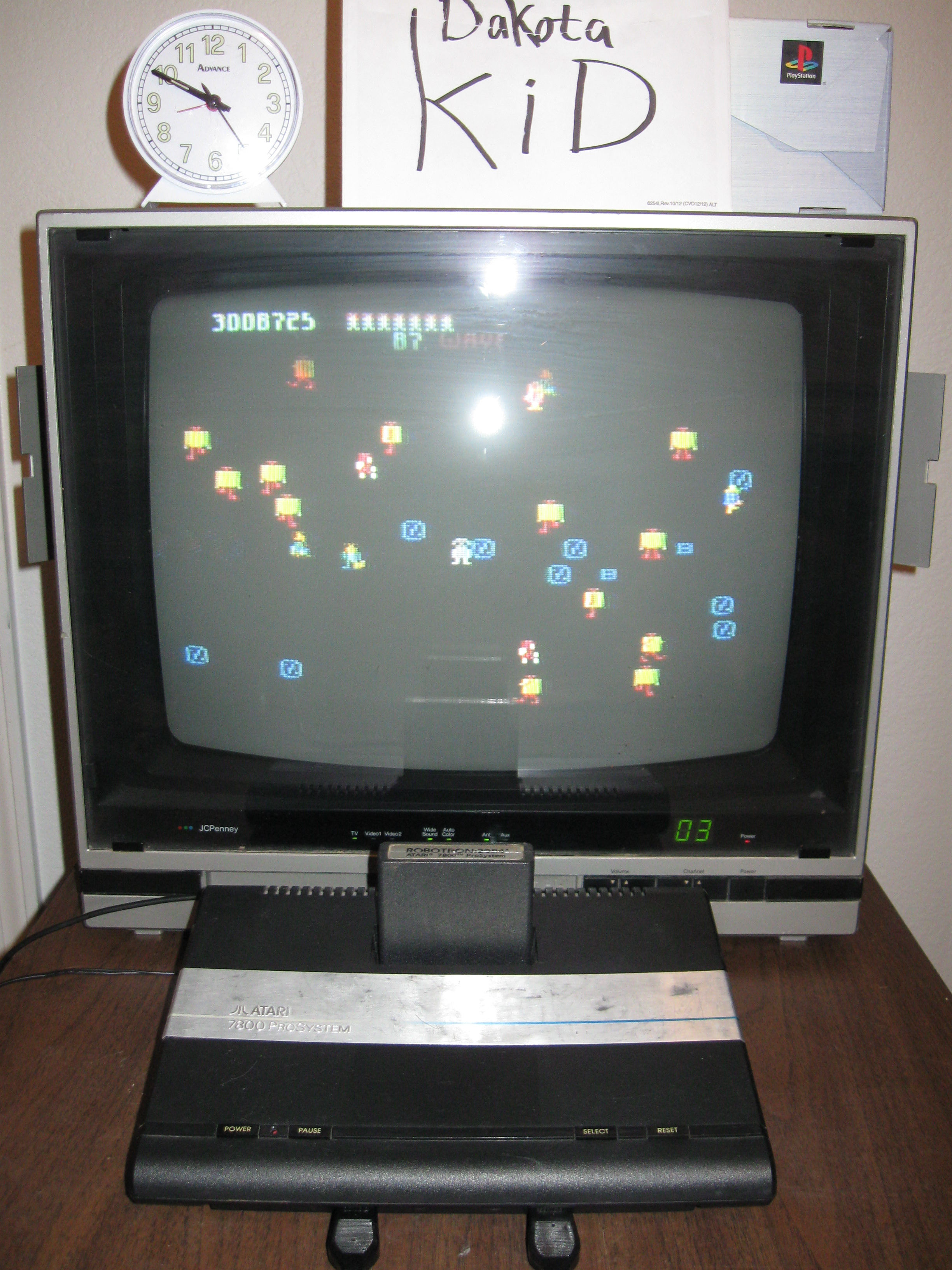 Robotron 2084: Novice 4,017,325 points