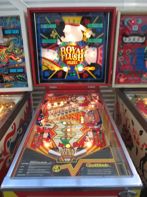 ed1475: Royal Flush Deluxe (Pinball: 3 Balls) 321,880 points on 2017-01-29 16:05:09