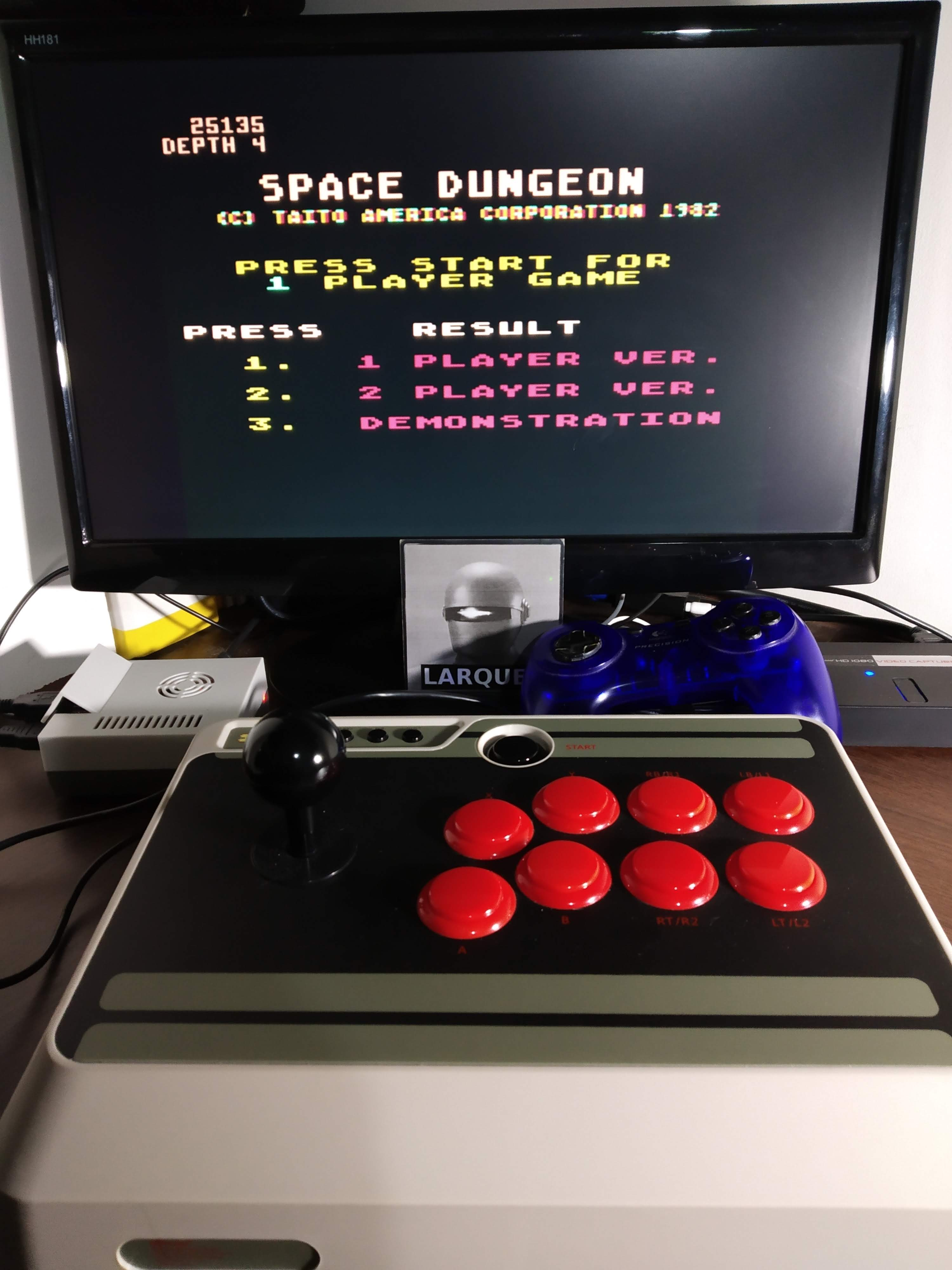 Larquey: Space Dungeon (Atari 5200 Emulated) 25,135 points on 2019-11-12 00:41:57