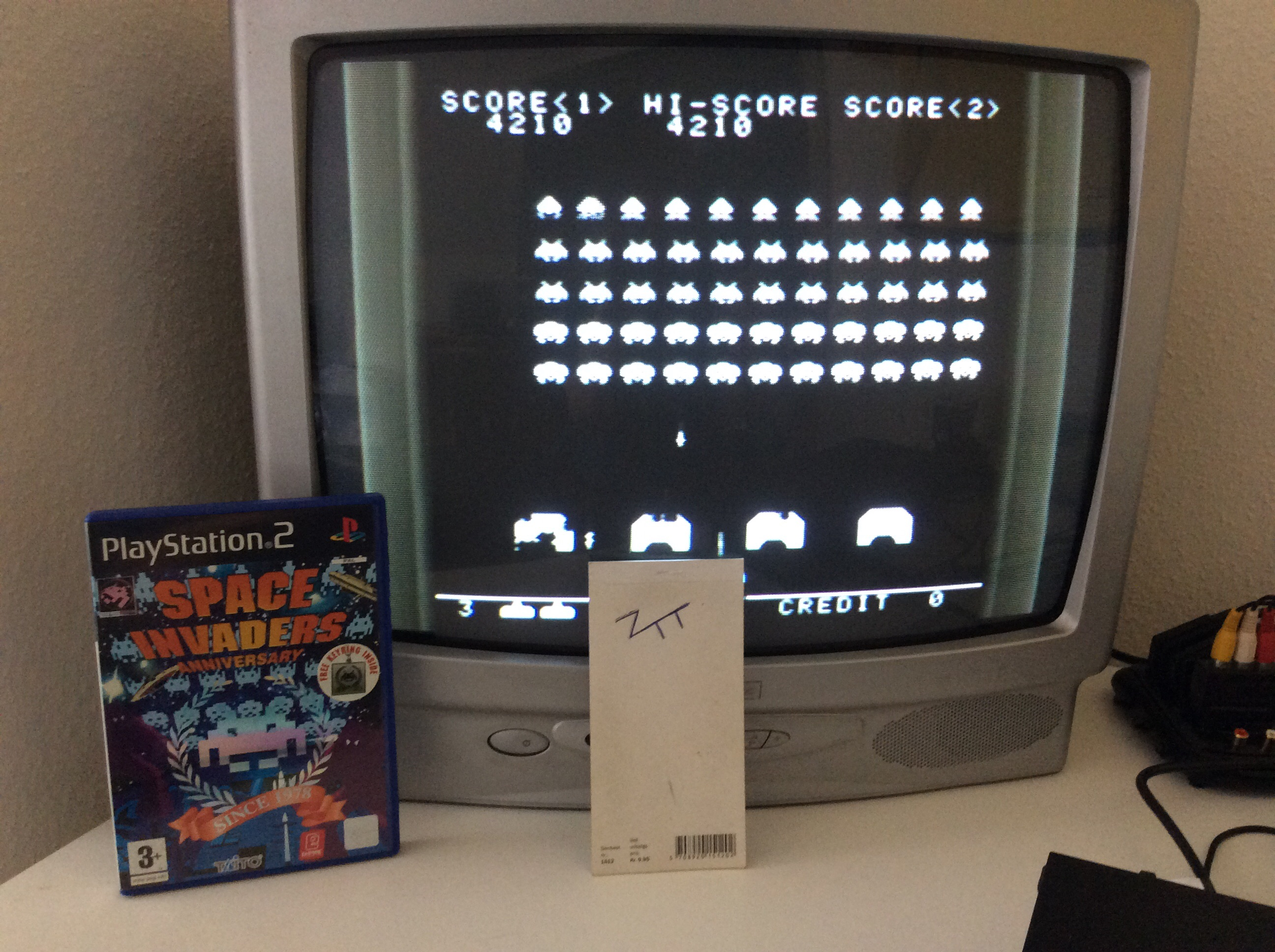 Frankie: Space Invaders Anniversary: T.T Space Invaders [Monochrome Version] (Playstation 2) 4,210 points on 2016-06-18 02:37:06