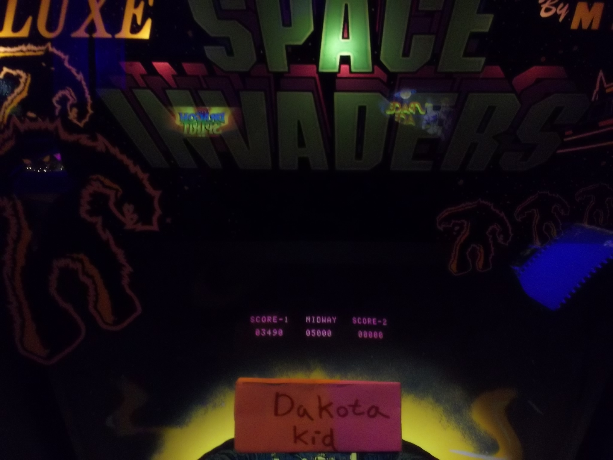 DakotaKid: Space Invaders Deluxe (Arcade) 3,490 points on 2017-01-19 15:26:22