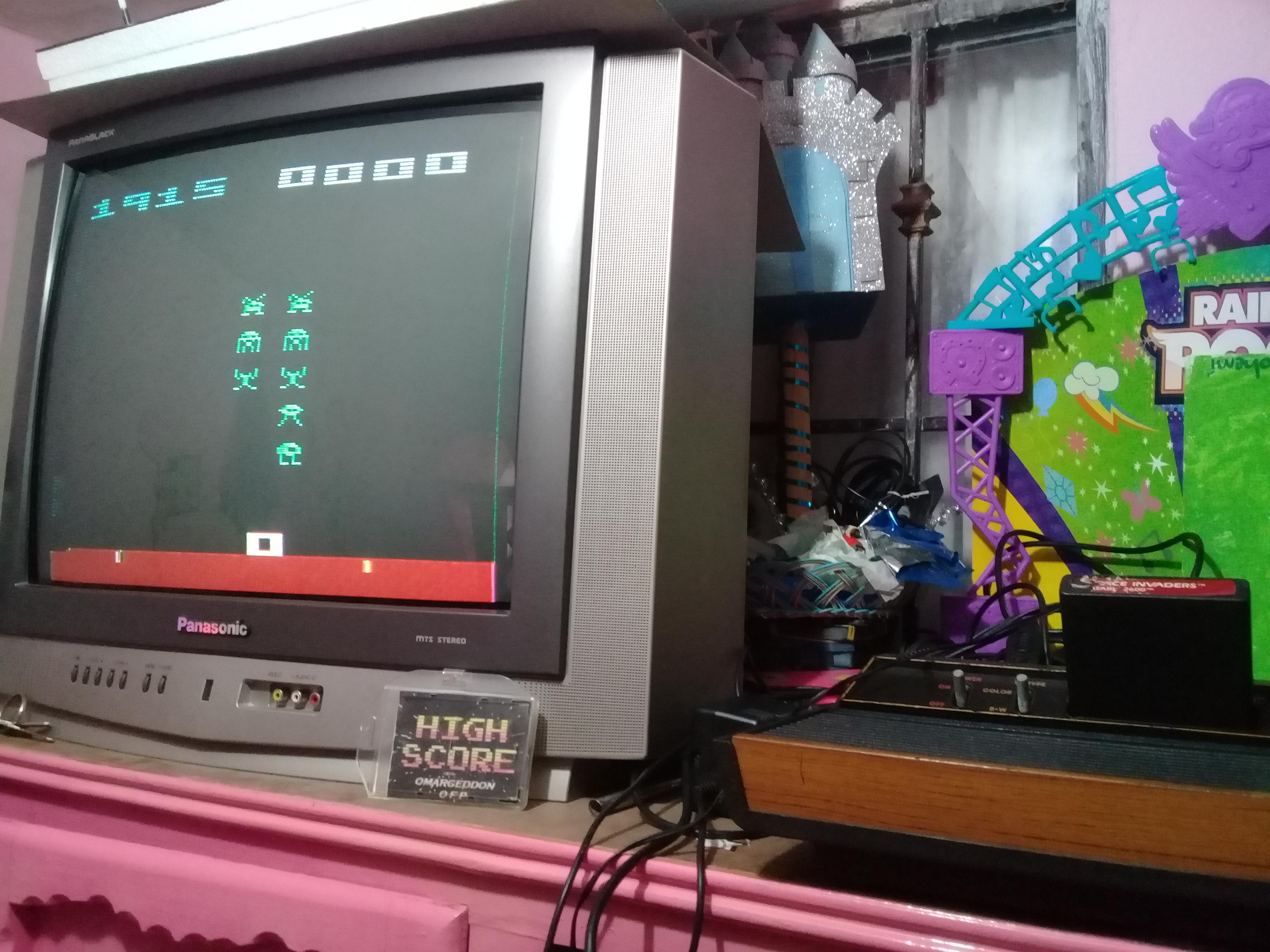 omargeddon: Space Invaders: Game 5 (Atari 2600 Novice/B) 1,915 points on 2019-01-14 11:23:07
